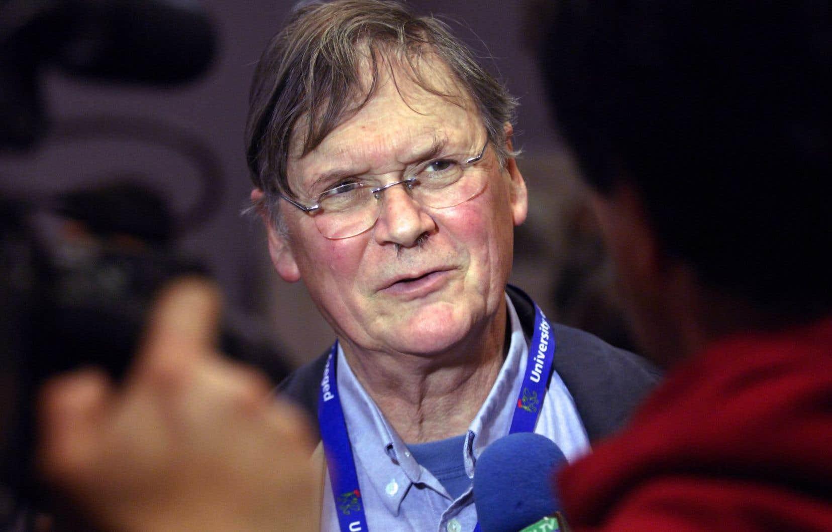 Timothy Hunt a dû démissionner du University College de Londres après avoir tenu publiquement des propos sexistes sur les femmes scientifiques.