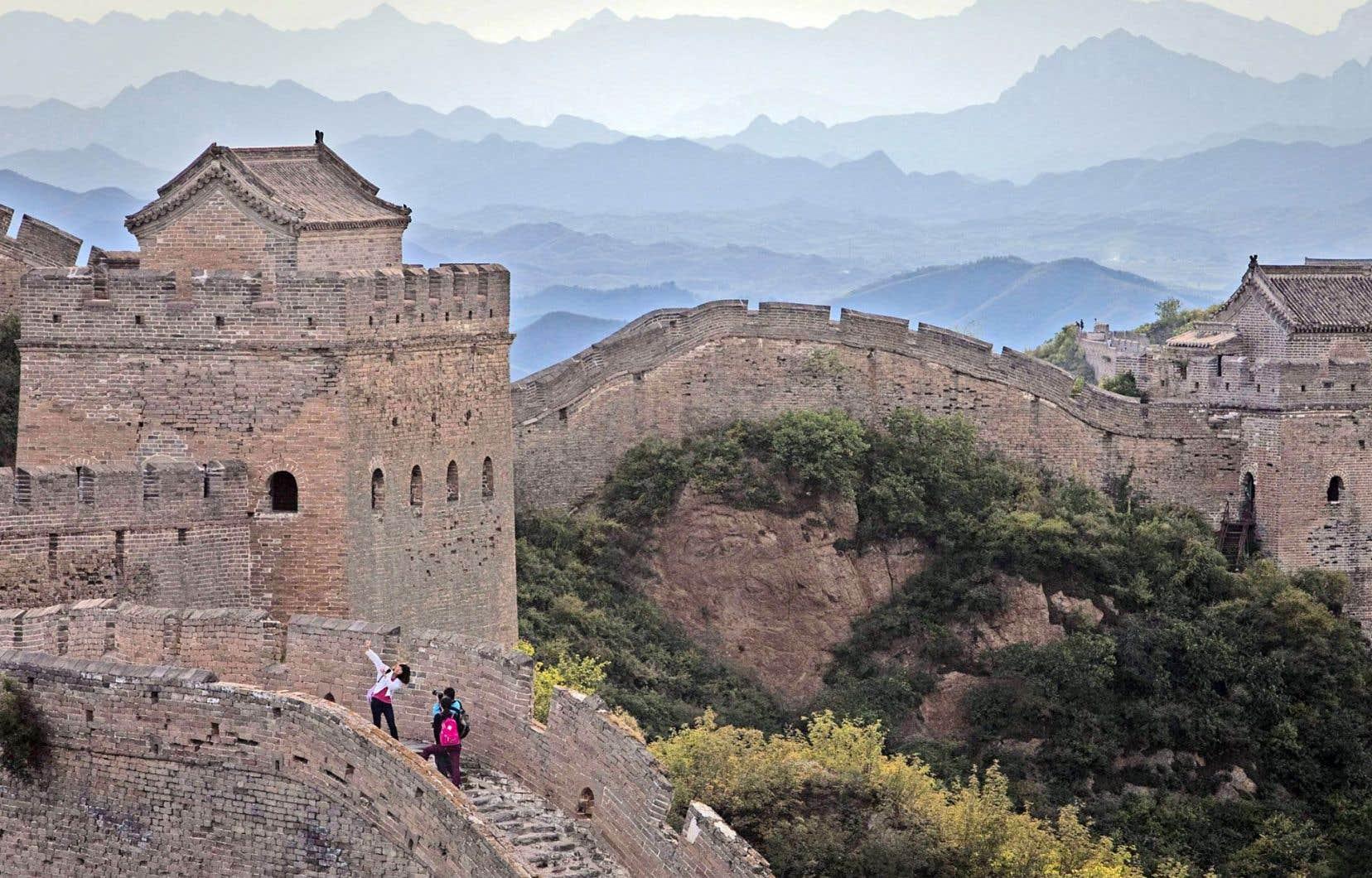 Le Parti communiste chinois, au pouvoir depuis 1949, serait en grande partie responsable de la dégradation récente de la Grande Muraille.