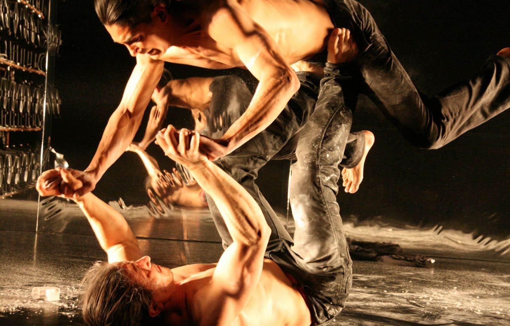 La tension des corps à laquelle le spectateur assiste dans «Warm» est plus sensuelle que franchement érotique.