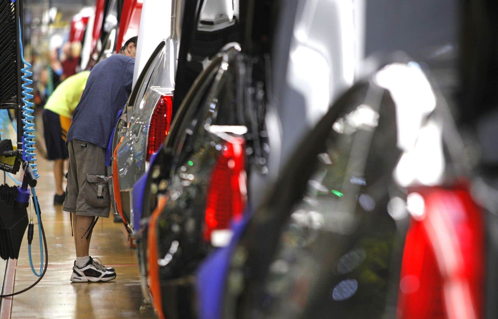 Dans les véhicules défectueux, le commutateur d'allumage peut éteindre le moteur sans avertissement, ce qui peut entraîner des accidents.