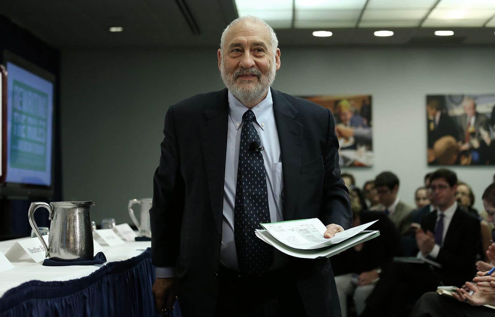 Joseph Stiglitz estime que les États-Unis encouragent la consommation de biens polluants.