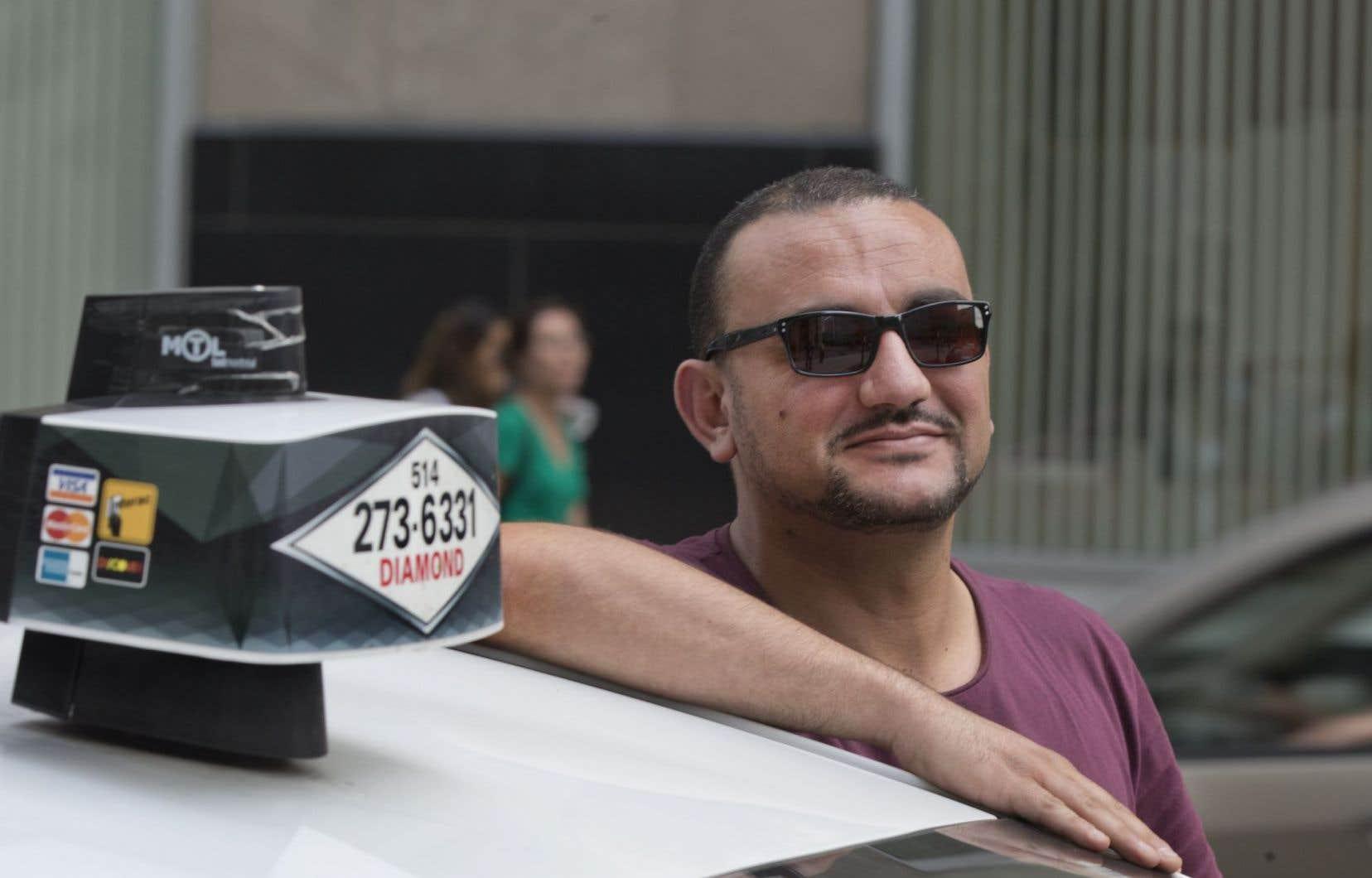 La compagnie Taxi Diamond, qui compte près de 2500 chauffeurs, devient la première au Québec à offrir une application dont les fonctionnalités sont semblables à celles d'Uber.