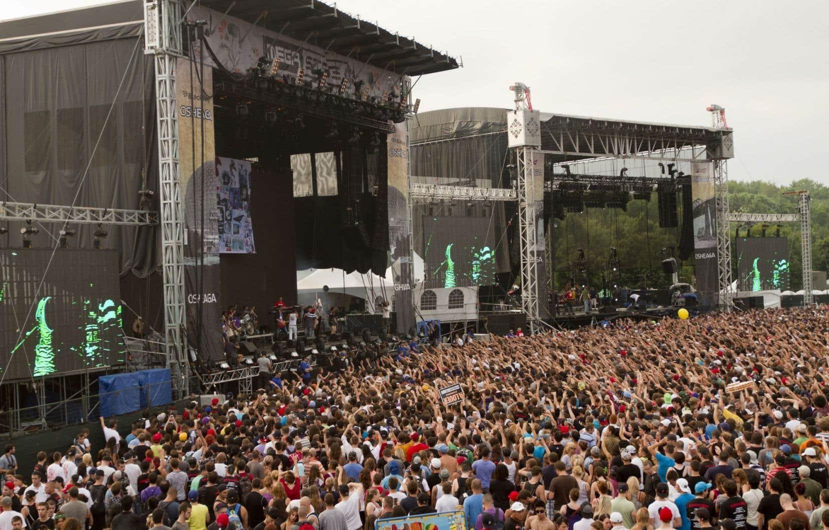 Une foule de personnes au festival Osheaga
