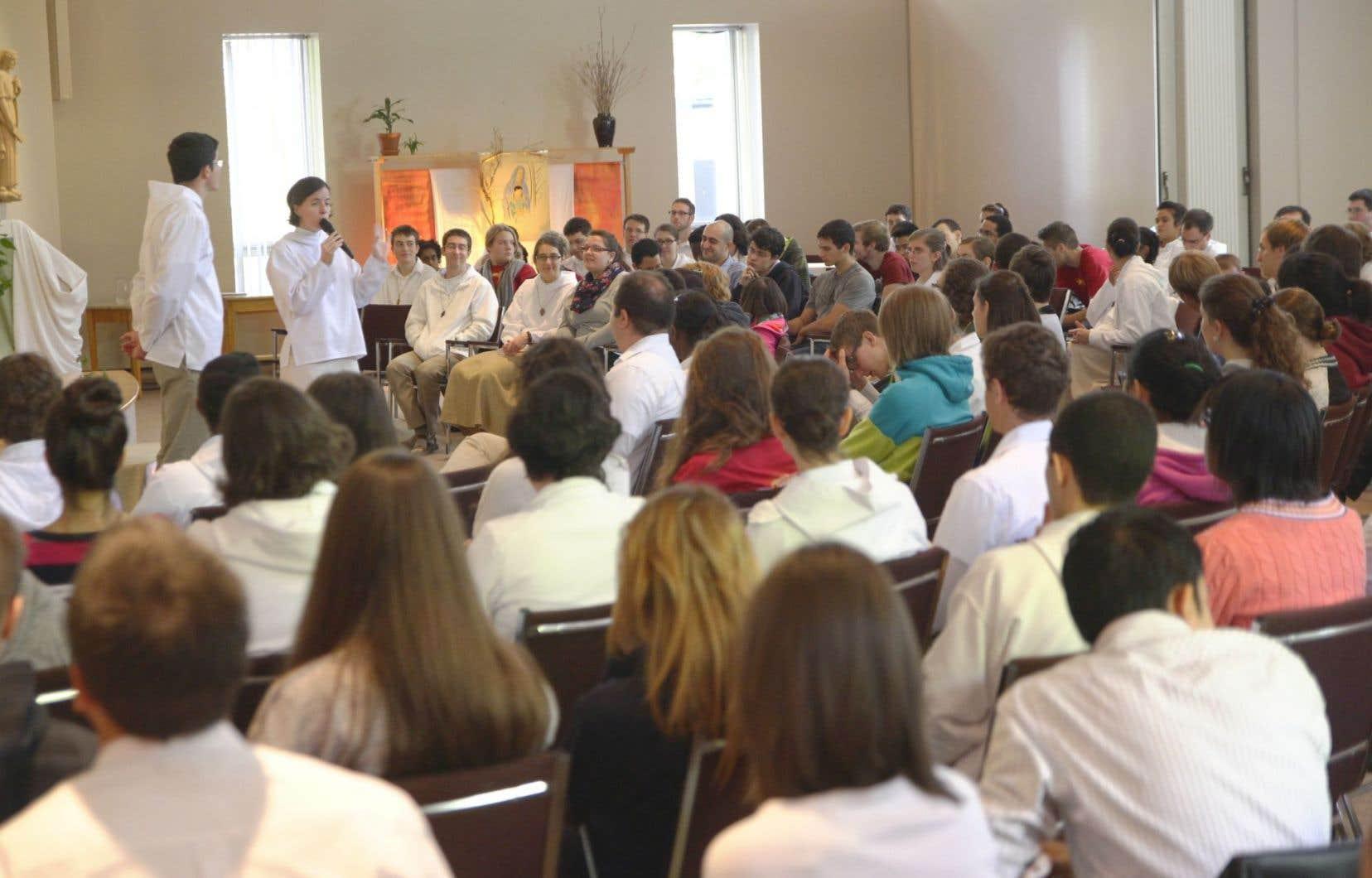 Rassemblement de jeunes à Pâques en 2015