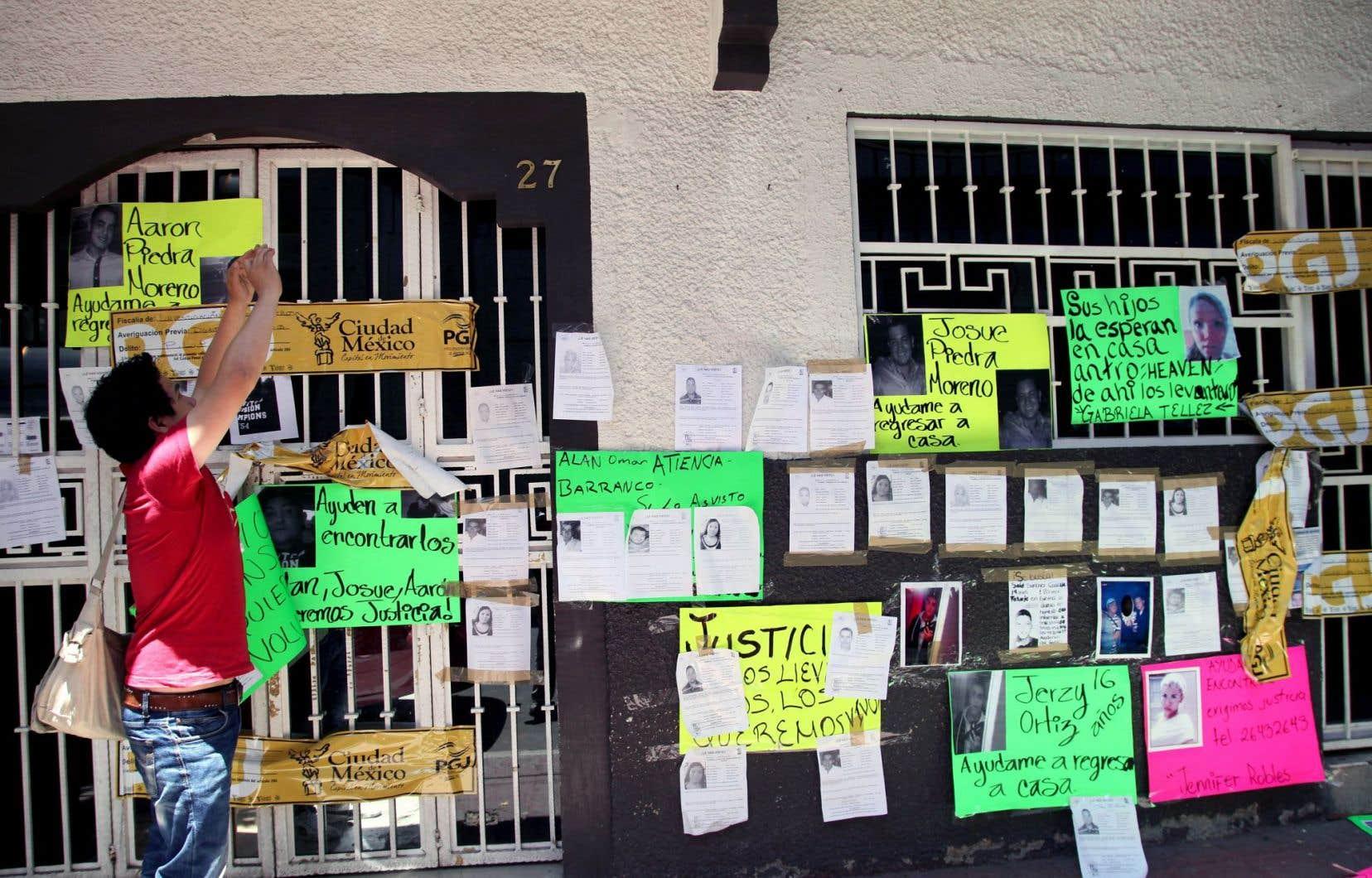 Goldman raconte le mystérieux enlèvement de 12 jeunes, en 2013, devant le bar Heavens de la Zona Rosa, un quartier central et touristique de Mexico.