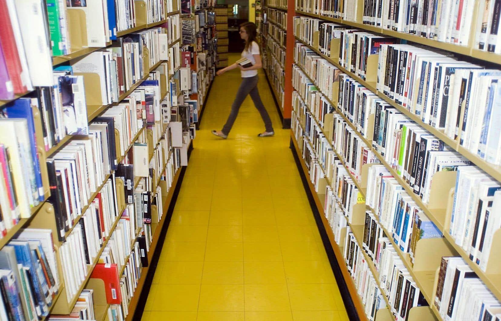 Dans les bibliothèques plus qu'ailleurs, le français doit être écrit correctement.