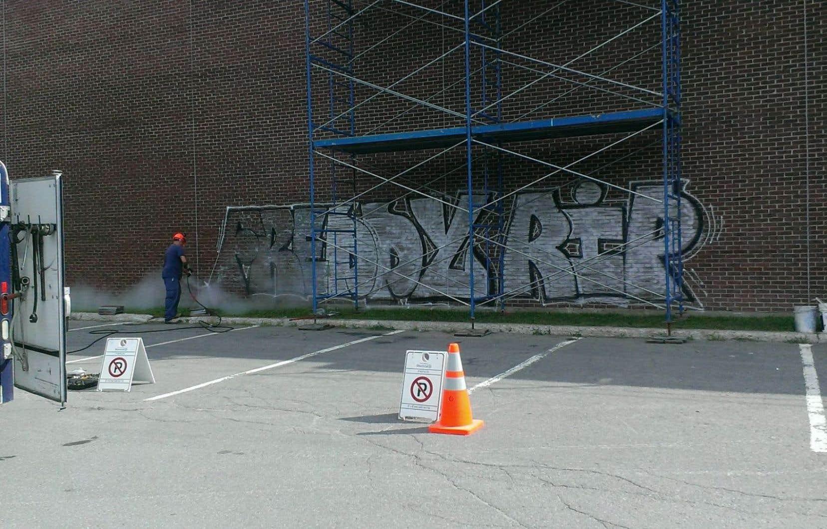 L'arrondissement a rapidement effacé au début du mois un graffiti où l'on lisait «Fredy RIP».