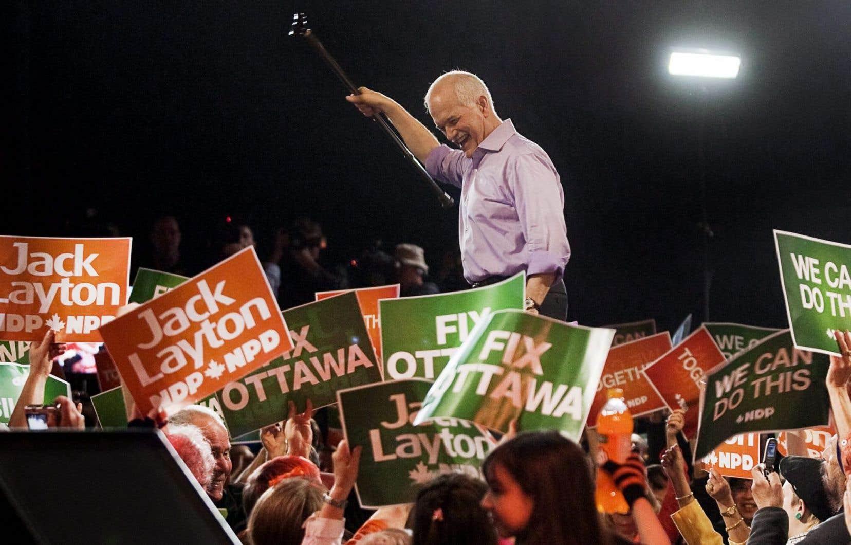 L'ancien chef du NPD, Jack Layton, durant la campagne électorale de 2011.