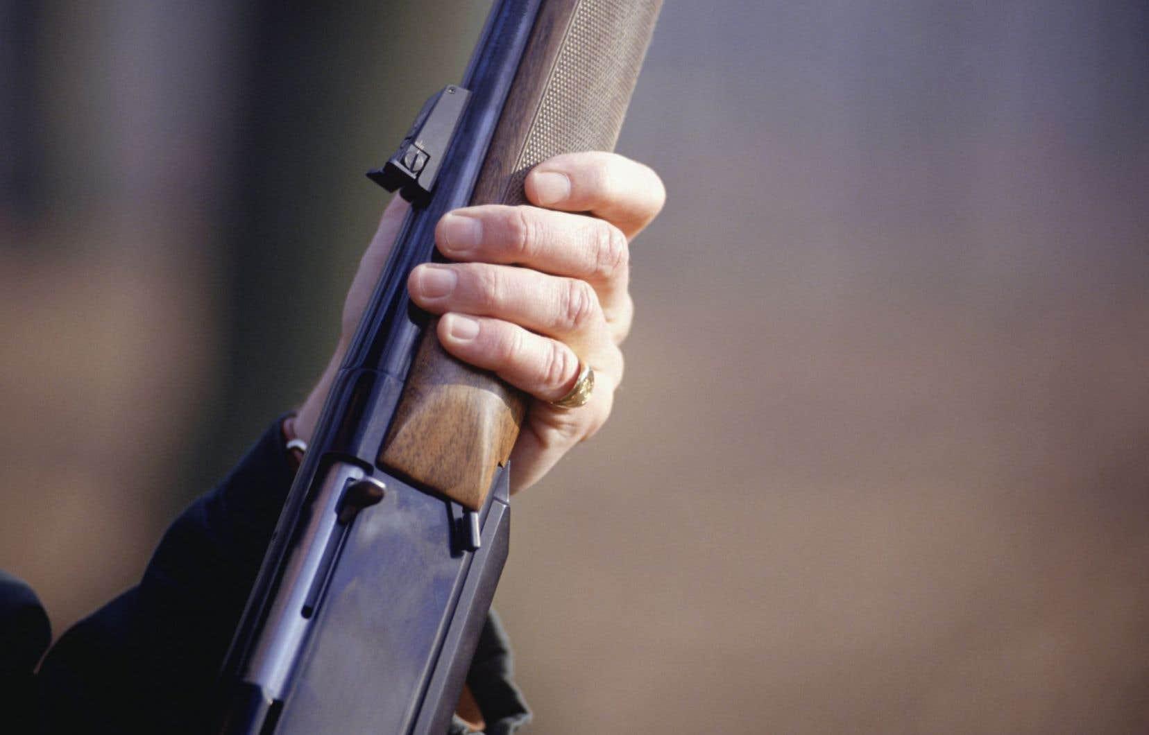La Maison-Blanche a une nouvelle fois appelé le Congrès à durcir la législation sur les armes à feu.