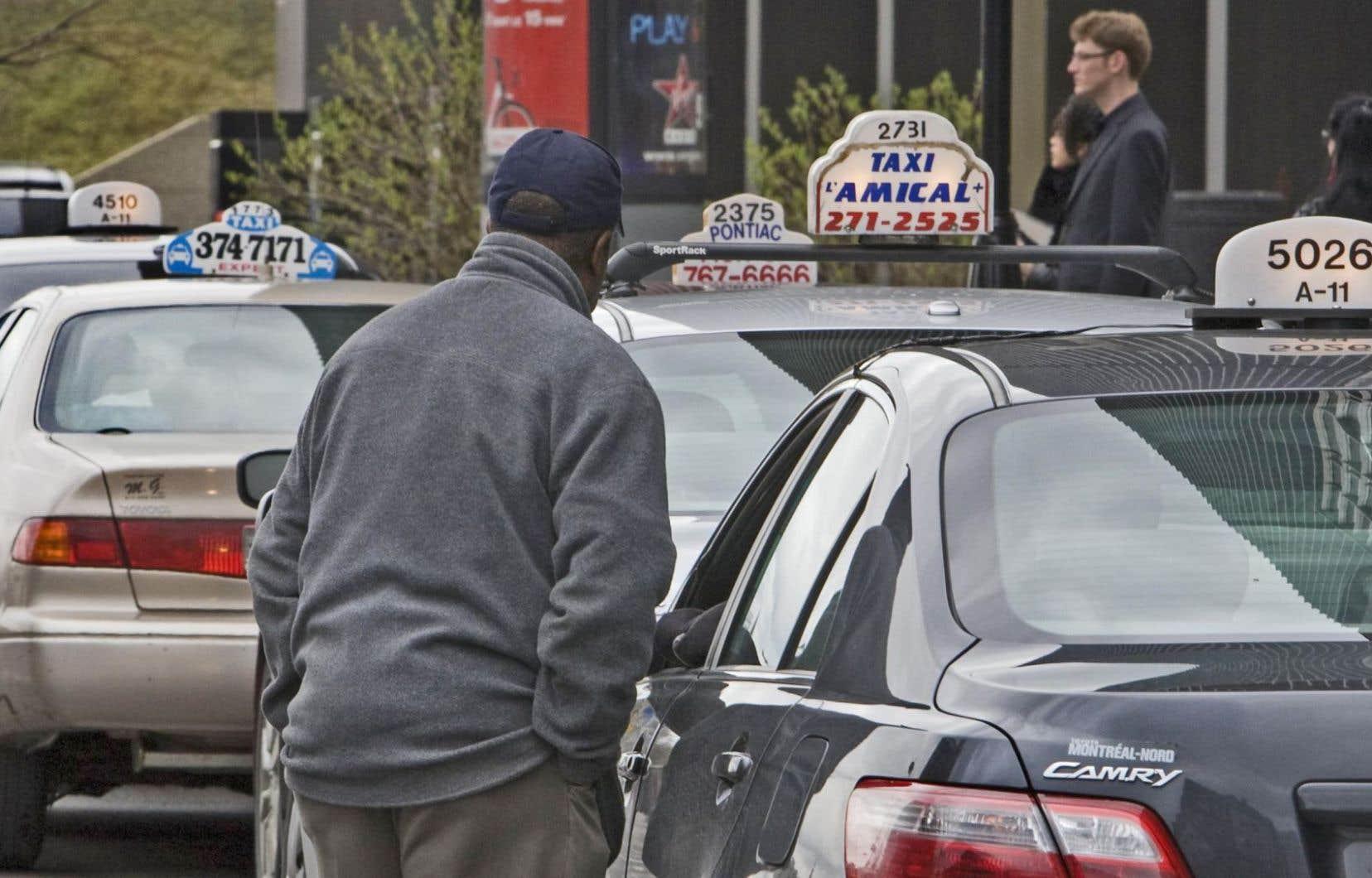 Devant la confusion engendrée par Québec, les intermédiaires, les chauffeurs et les propriétaires de taxis et limousines sentent qu'on leur tire le tapis sous les pieds.