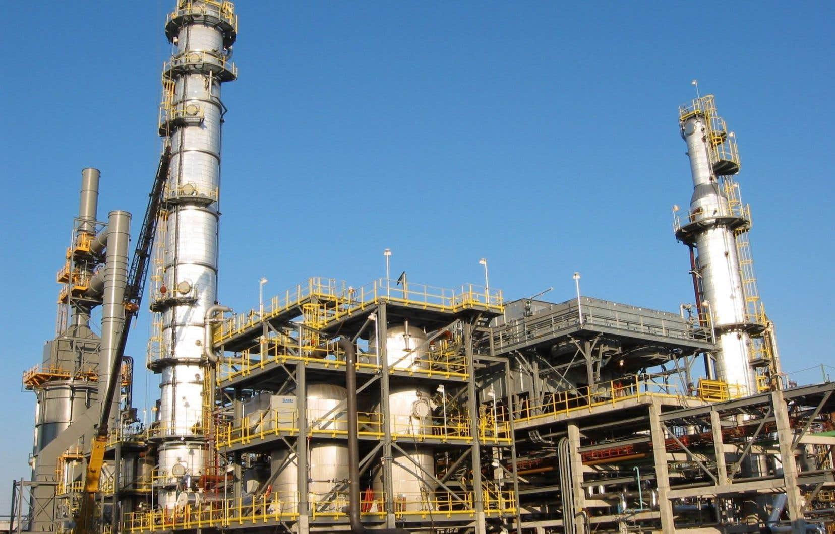 Les investissements dans l'exploitation pétrolière et gazière devraient chuter de plus de 30%.