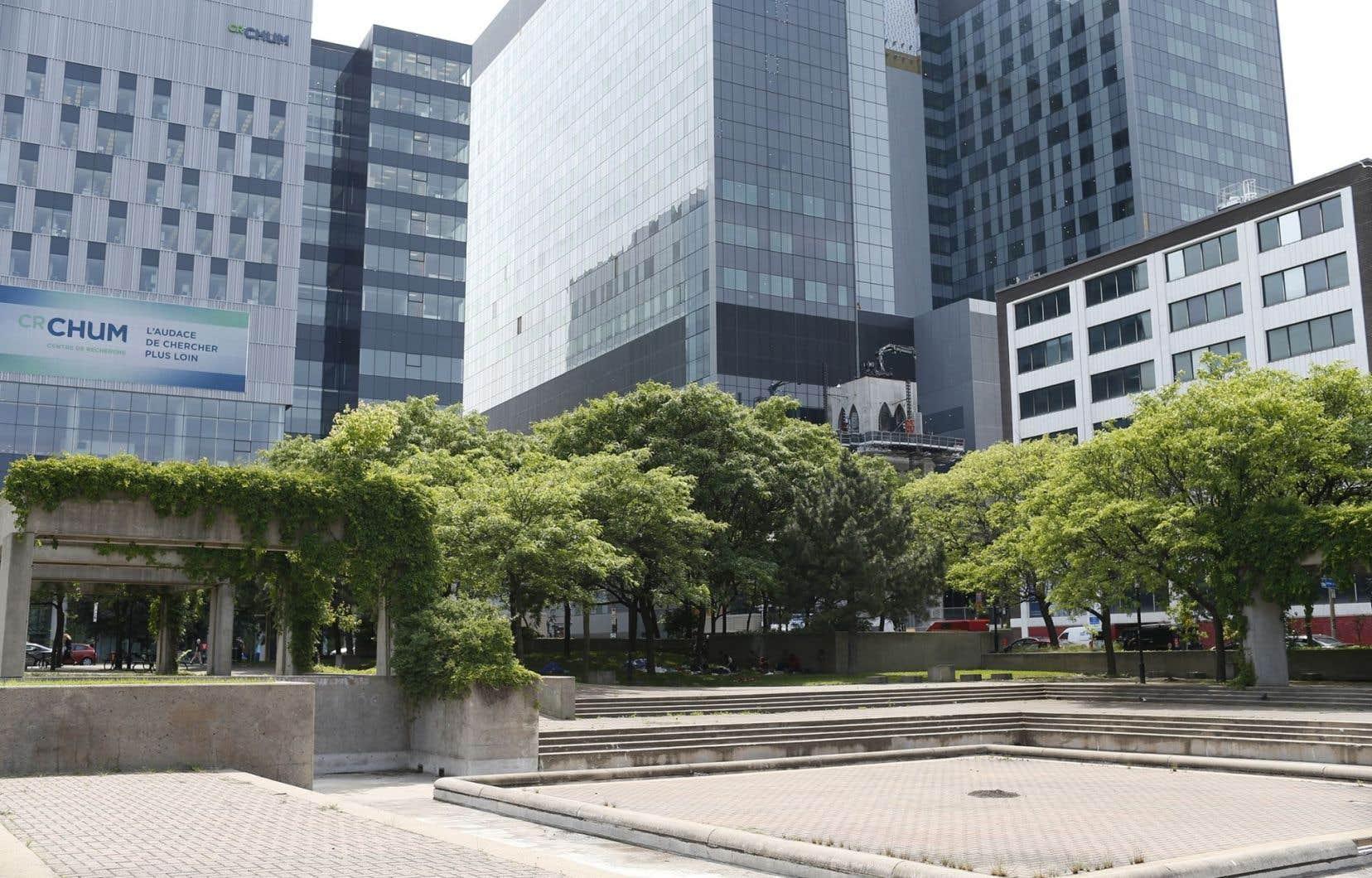 Le CHUM, au centre-ville de Montréal