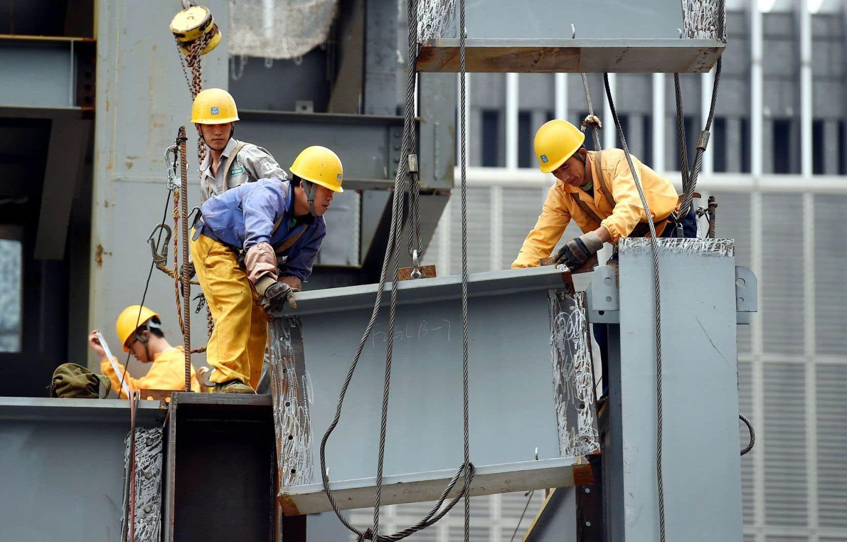 La Chine investira notamment davantage dans les infrastructures afin de soutenir la croissance économique du pays.