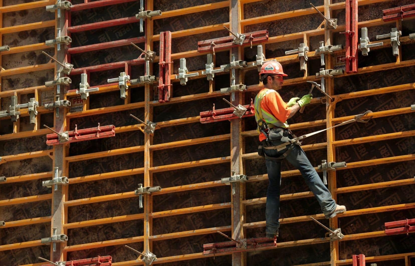 <p>L'Association de la construction, qui a 5800 entreprises membres, veut proposer une sorte de formation continue en matière d'éthique dans laquelle non seulement la direction, mais aussi les employés seraient engagés.</p>