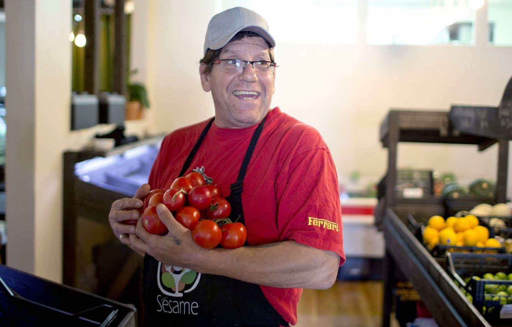 À l'organisme d'économie sociale Le Sésame, dans Mercier-Est, à Montréal, on a constaté avec surprise que les fruits et légumes restent bon marché même avec une marge bénéficiaire de 30 ou 40 %.