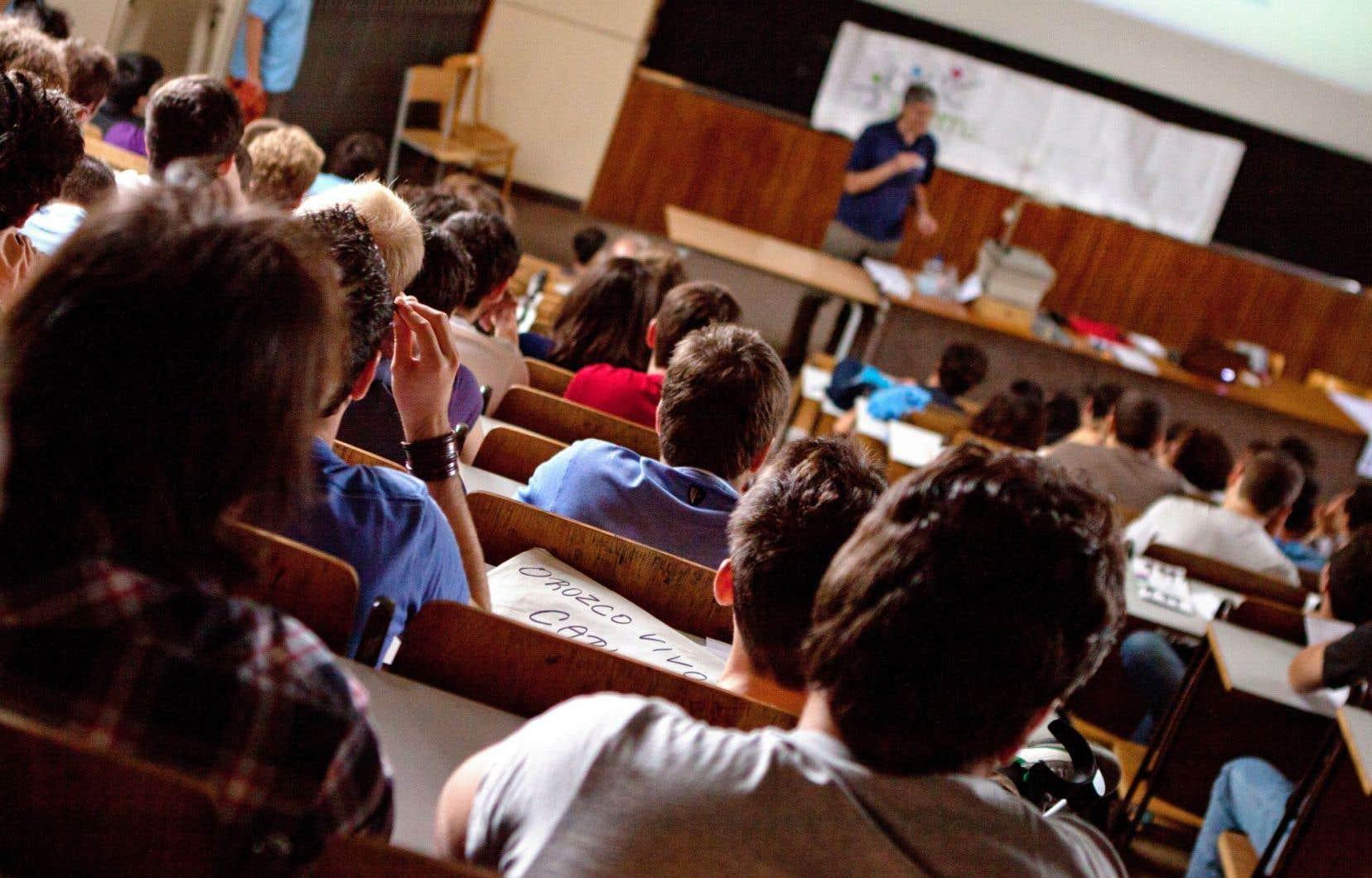 Pas moins de 52 des 60 cégeps du Québec ont vu leurs professeurs voter la grève depuis la rentrée des classes.
