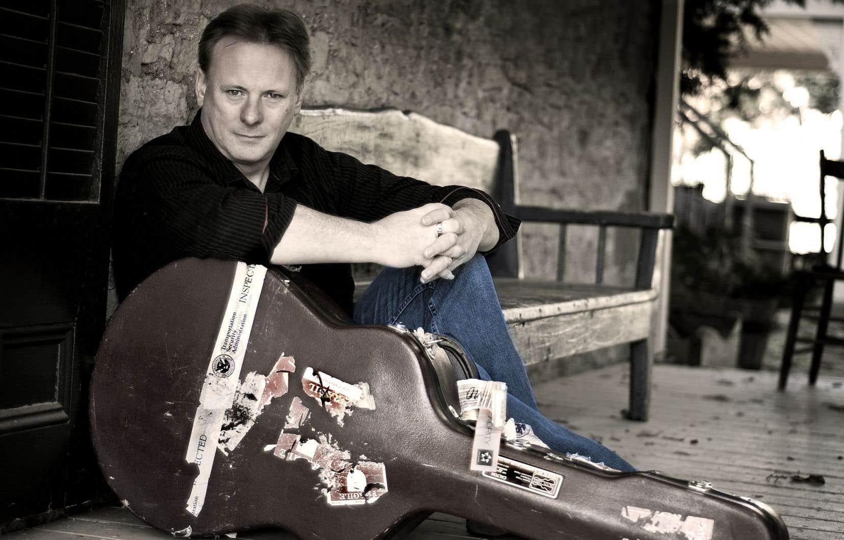 L'Écossais Tony McManus est souvent célébré comme le plus grand guitariste actuel du monde celtique.