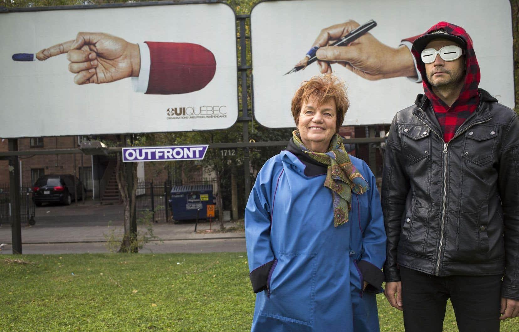 Claudette Carbonneau a présenté la campagne auprès de l'artiste Simon Beaudry, à l'origine du concept.