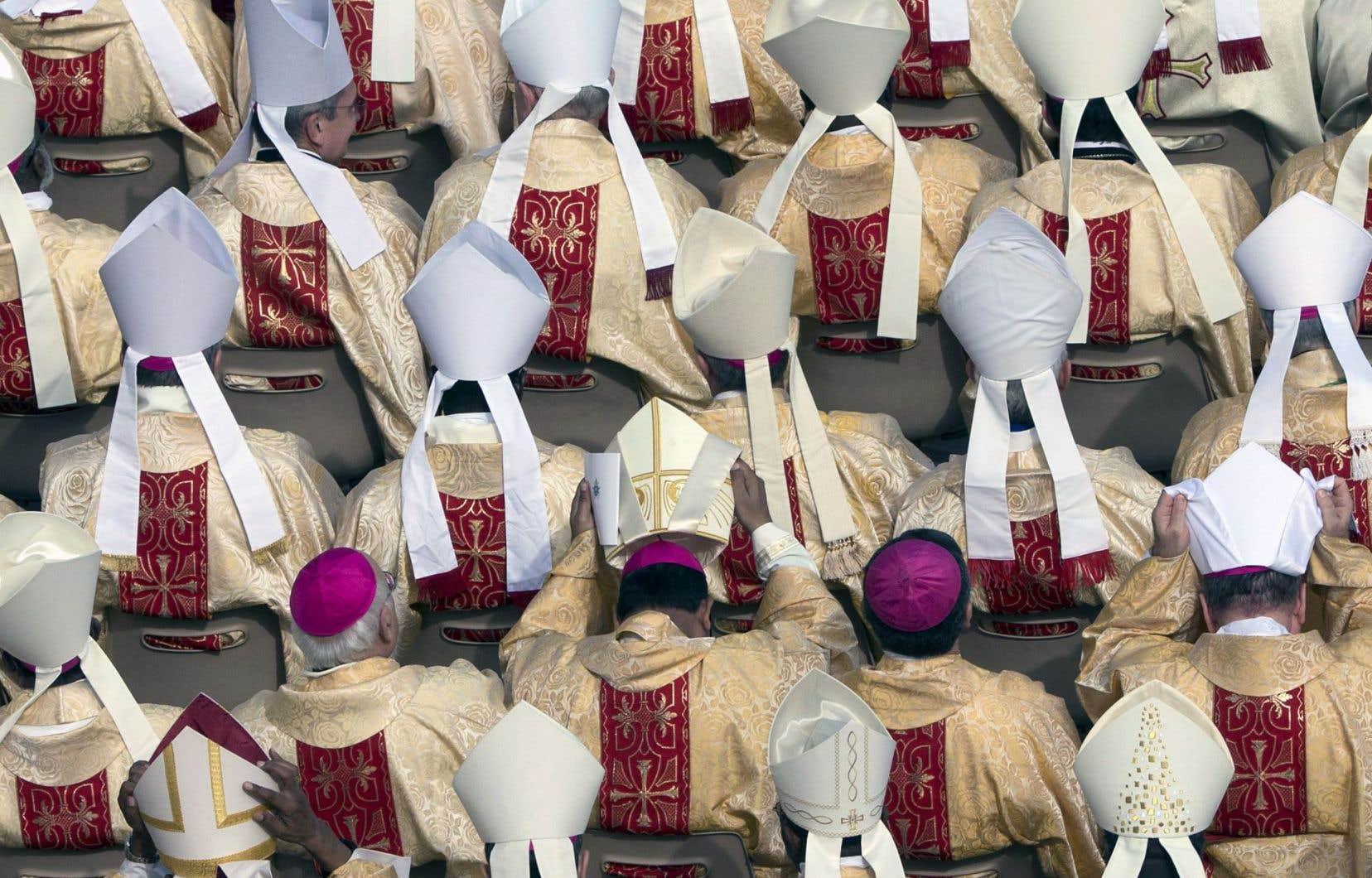 Pour porter secours aux migrants de Syrie et des environs, le pape a lancé l'appel aux évêques catholiques d'inviter les paroisses à accueillir des réfugiés.