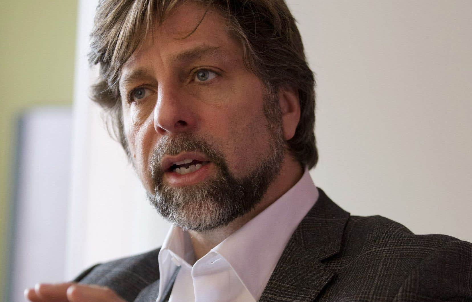 Le chef de l'opposition à l'hôtel de ville, Luc Ferrandez, pense que la Ville devrait opter pour un projet moins coûteux, de 10 millions environ, et réserver le reste de la somme à un projet plus « structurant ».