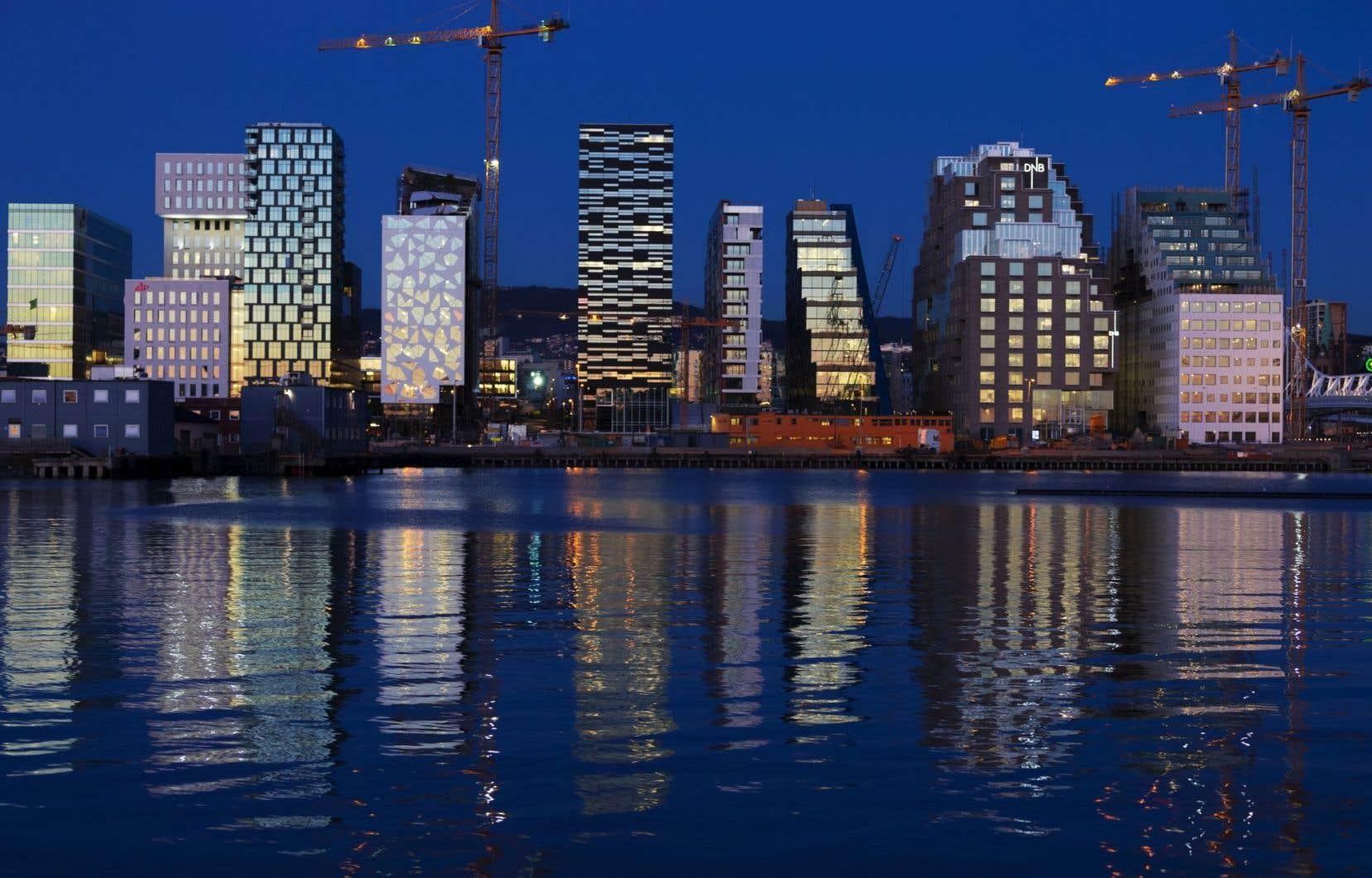 Des édifices faisant partie du Barcode Project, un vaste chantier de réaménagement du port et du secteur industriel d'Oslo