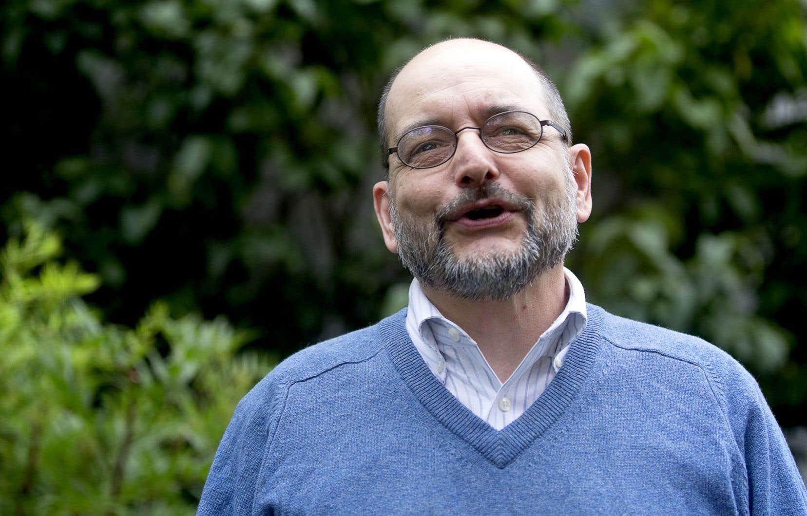 Benoît Melançon, professeur de littérature et blogueur linguistique, refuse quand il pense notre langue autant l'alarmisme que le jovialisme.