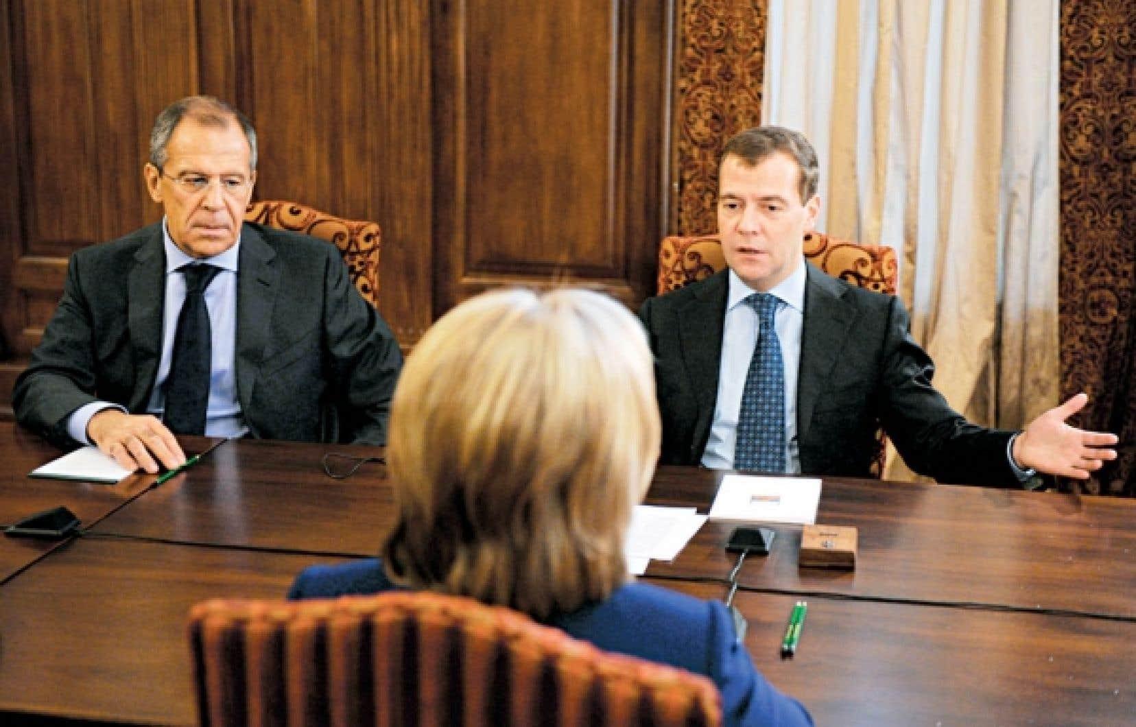 Hillary Clinton a rencontré Dmitri Medvedev hier à Moscou.