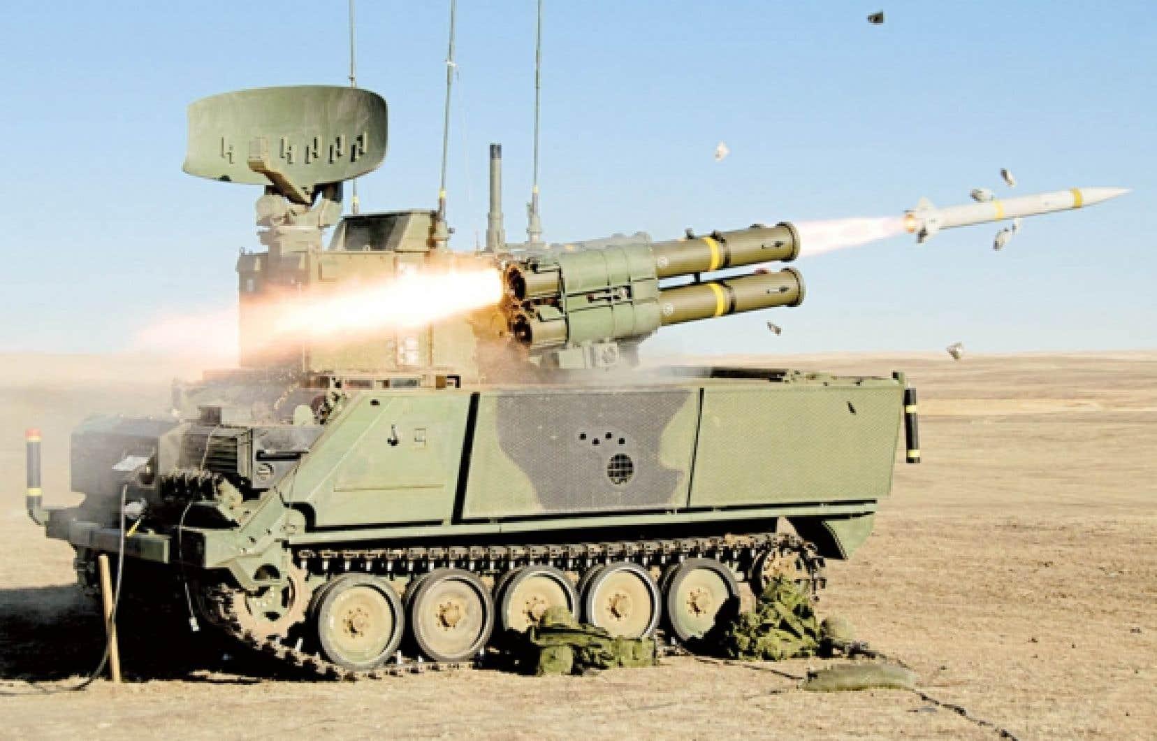 L'une des 36 unités mobiles du système ADATS au cours d'un entraînement.