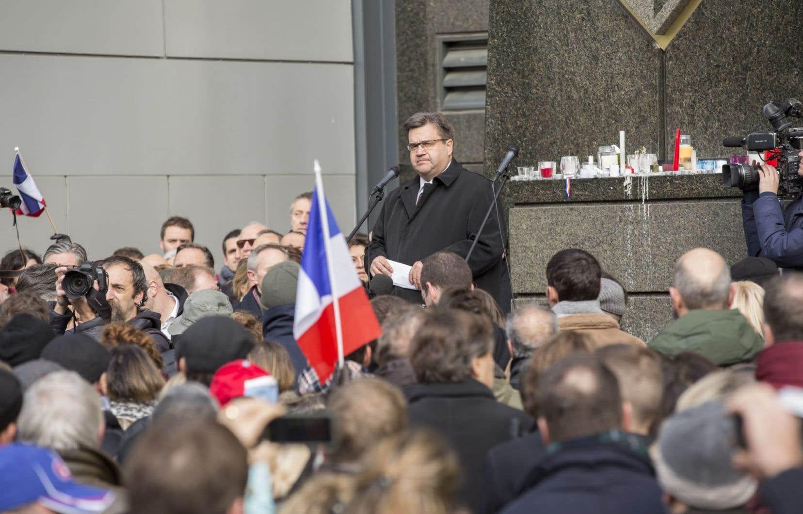 Denis Coderre a fait un discours à la fin de la vigile.