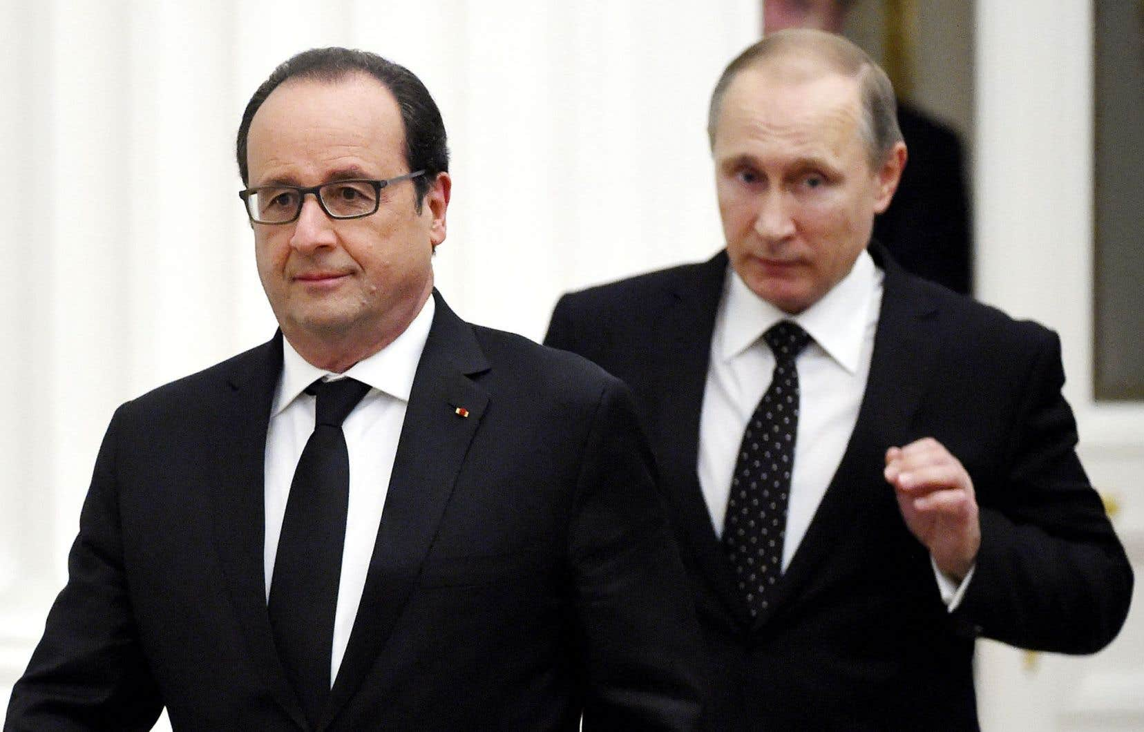 François Hollande (à gauche) etVladimir Poutine à Moscou jeudi, peu après leur rencontre