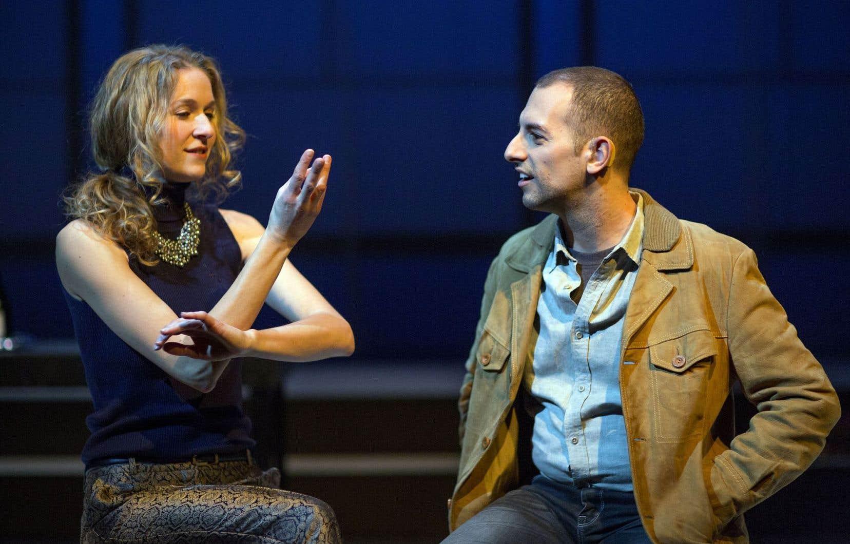 Jack Volpe sur scène avec la comédienne Andréa Runge, pendant une répétition de la pièce «Tribes», qui prend l'affiche le 3décembre au centre Segal de Montréal.