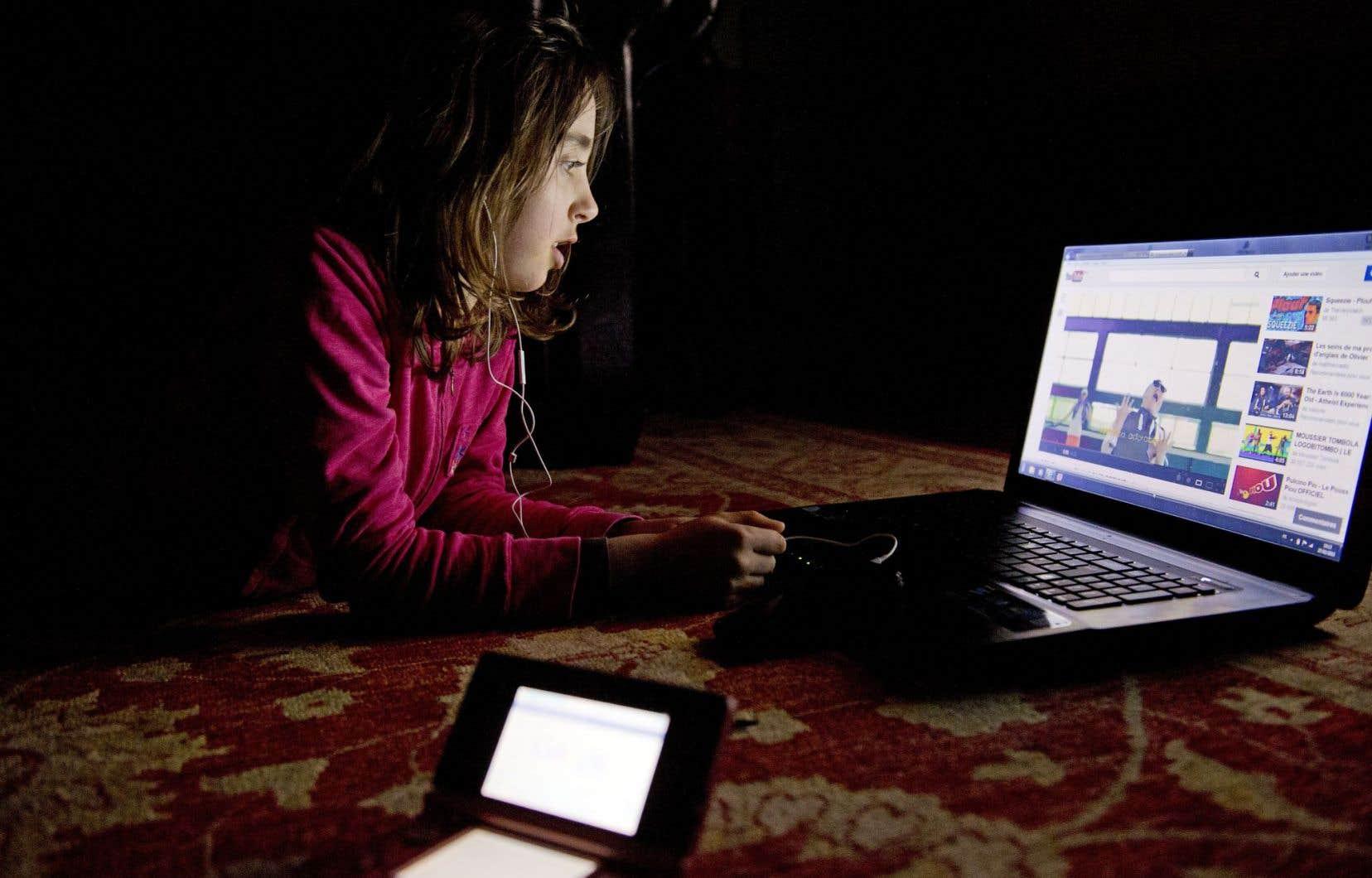 Aux États-Unis, il est estimé que 30% des adultes et 66% des adolescents sont régulièrement en manque de sommeil.