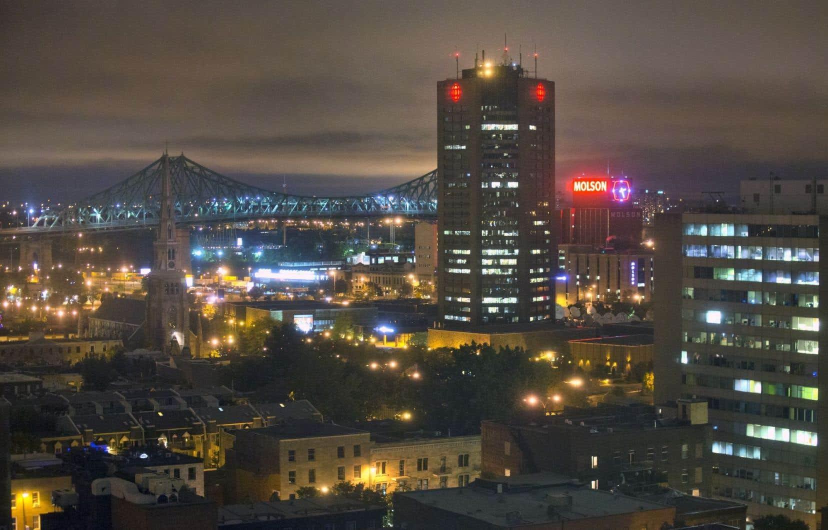 Cette nouvelle démarche immobilière vient prendre le relais du projet développé depuis le début de la décennie et qui visait la vente de la tour et des stationnements de Montréal dans le cadre d'une stratégie pancanadienne.