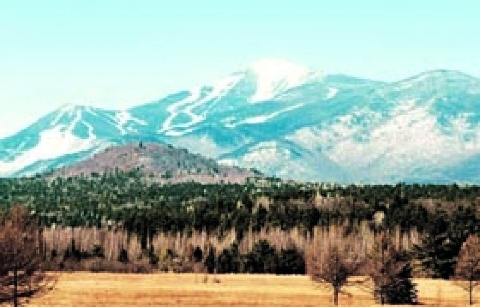 Même si toute l'écologie de la région est méticuleusement contrôlée par l'État de New York, au point où la quantité d'eau nécessaire à la fabrication de la neige artificielle est déterminée par la loi, la station de ski Whiteface, prè