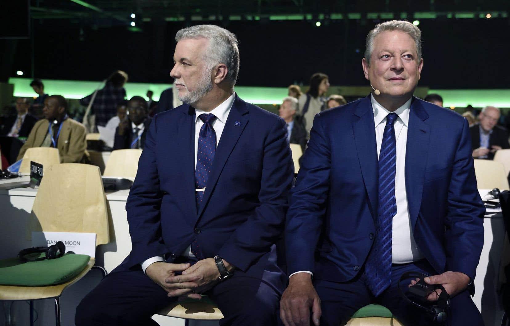 Philippe Couillard en compagnie d'Al Gore, ex-vice-président américain et militant pour le climat