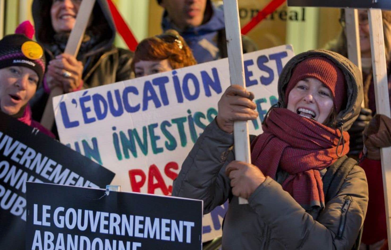 Manifestants lors d'une grève tournante du secteur de l'éducation, en octobre dernier