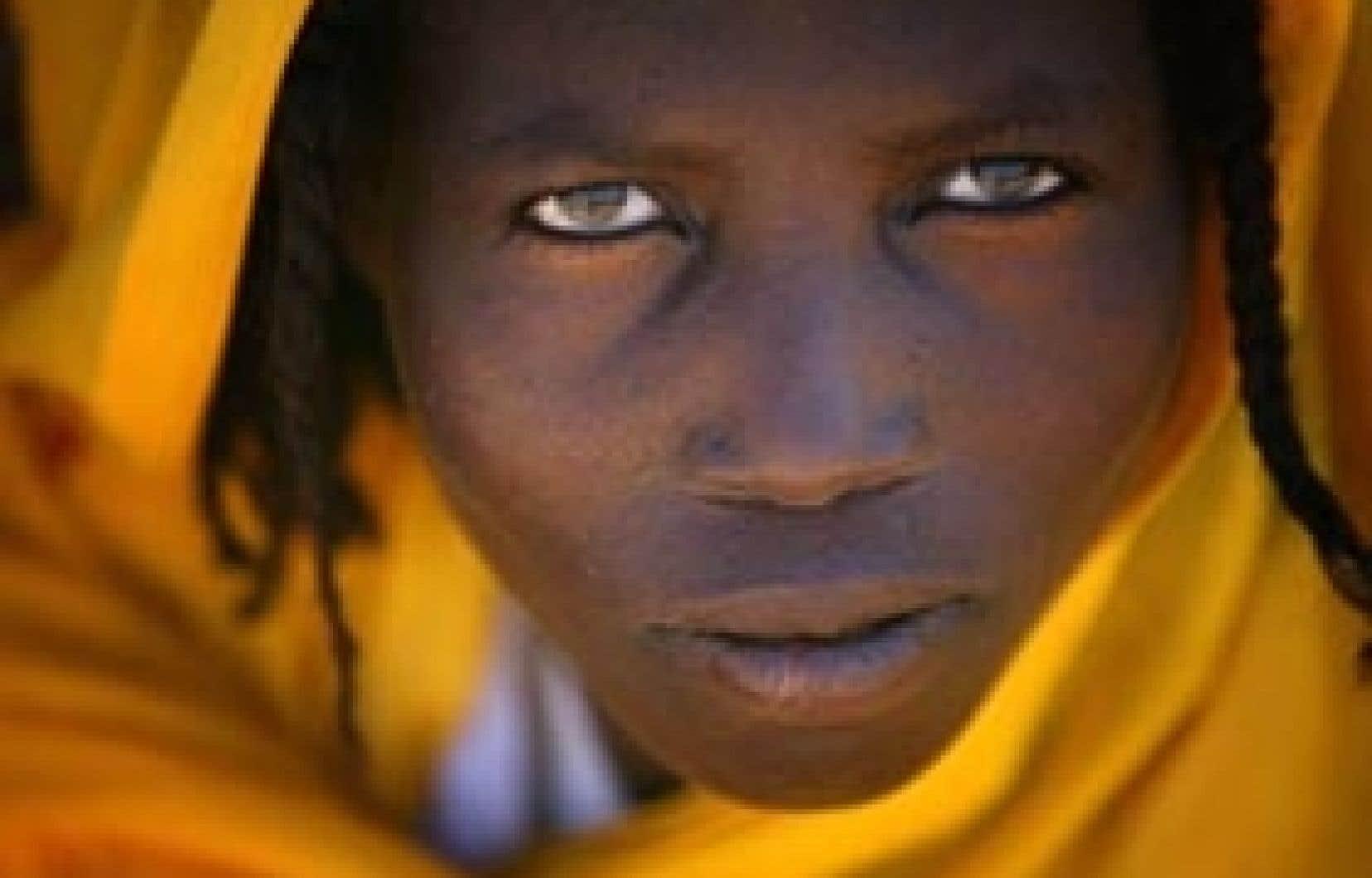Le conflit au Darfour a déjà fait 300 000 morts et environ 2,5 millions de réfugiés, dont cette femme, Roda, 25 ans, battue plusieurs fois.