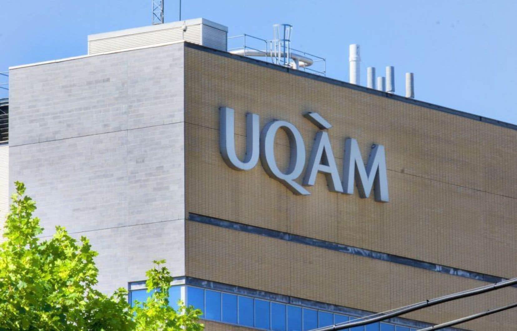 Les membres du SÉTUE de l'UQAM sont sans convention collective depuis le 31décembre 2013.
