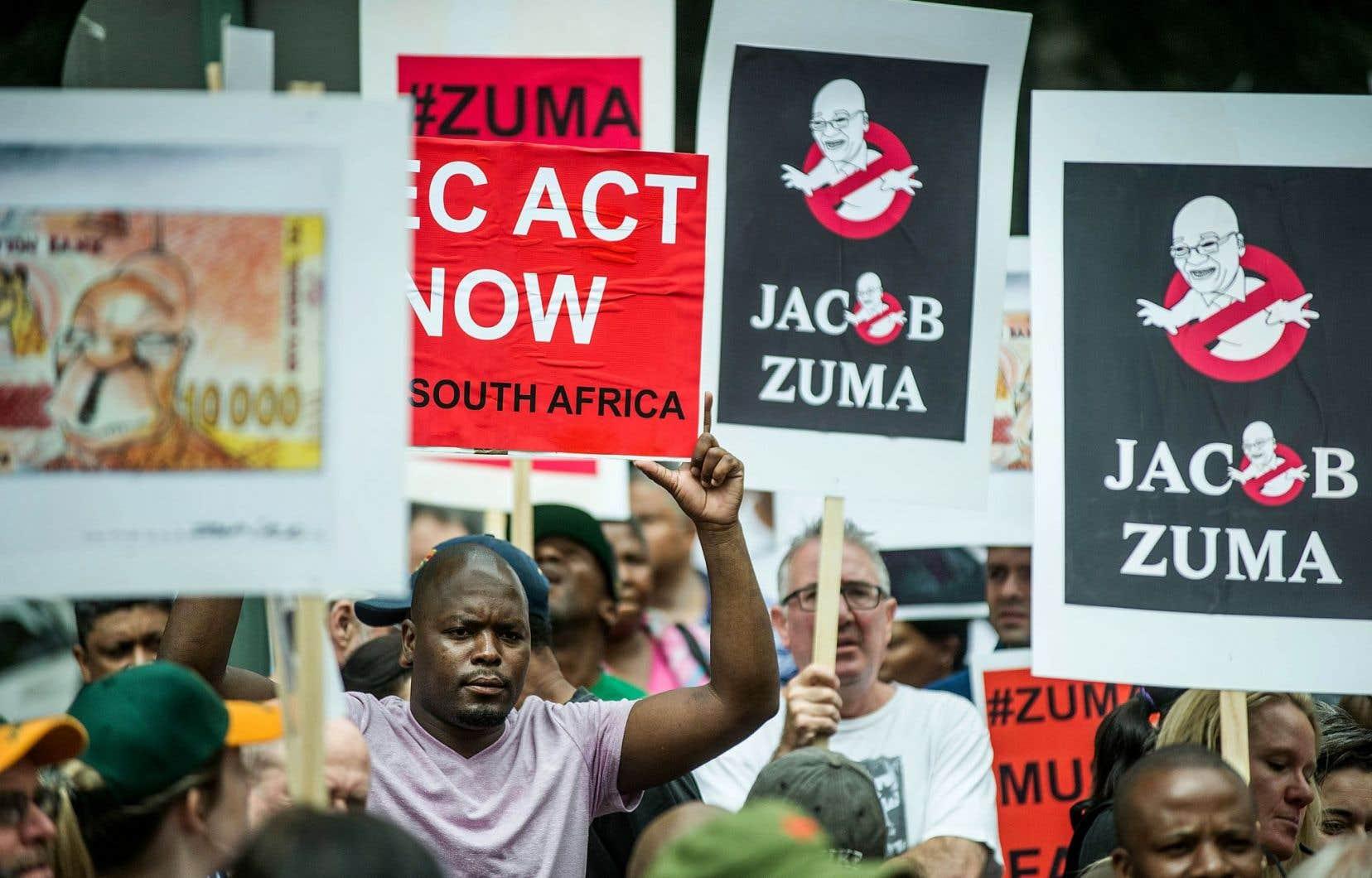Des Sud-Africains de toutes les classes sociales en ont ras-le-bol du président Zuma.