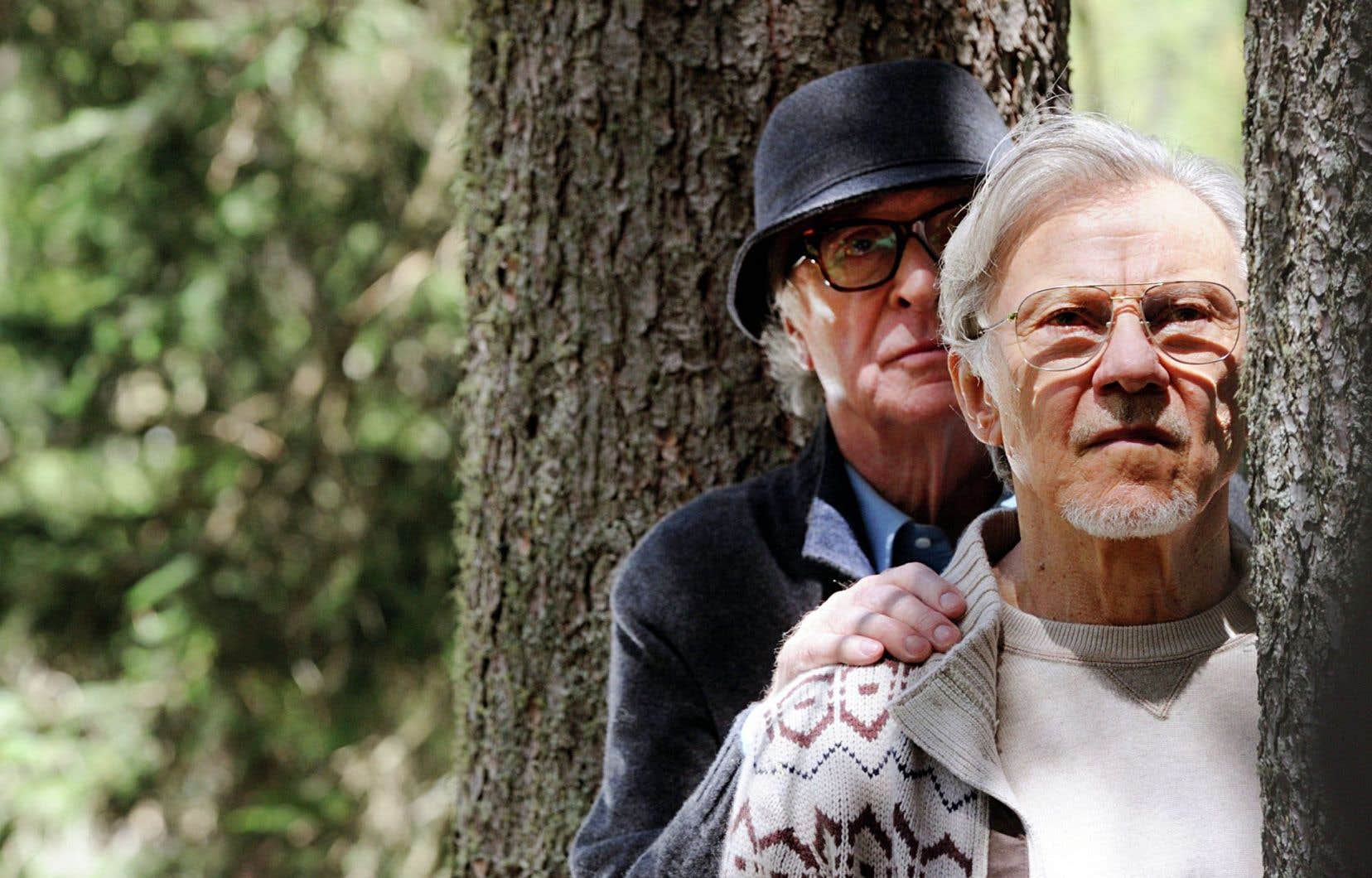 Le tandem formé par Harvey Keitel et Michael Caine, réunis pour la première fois, est un délice.