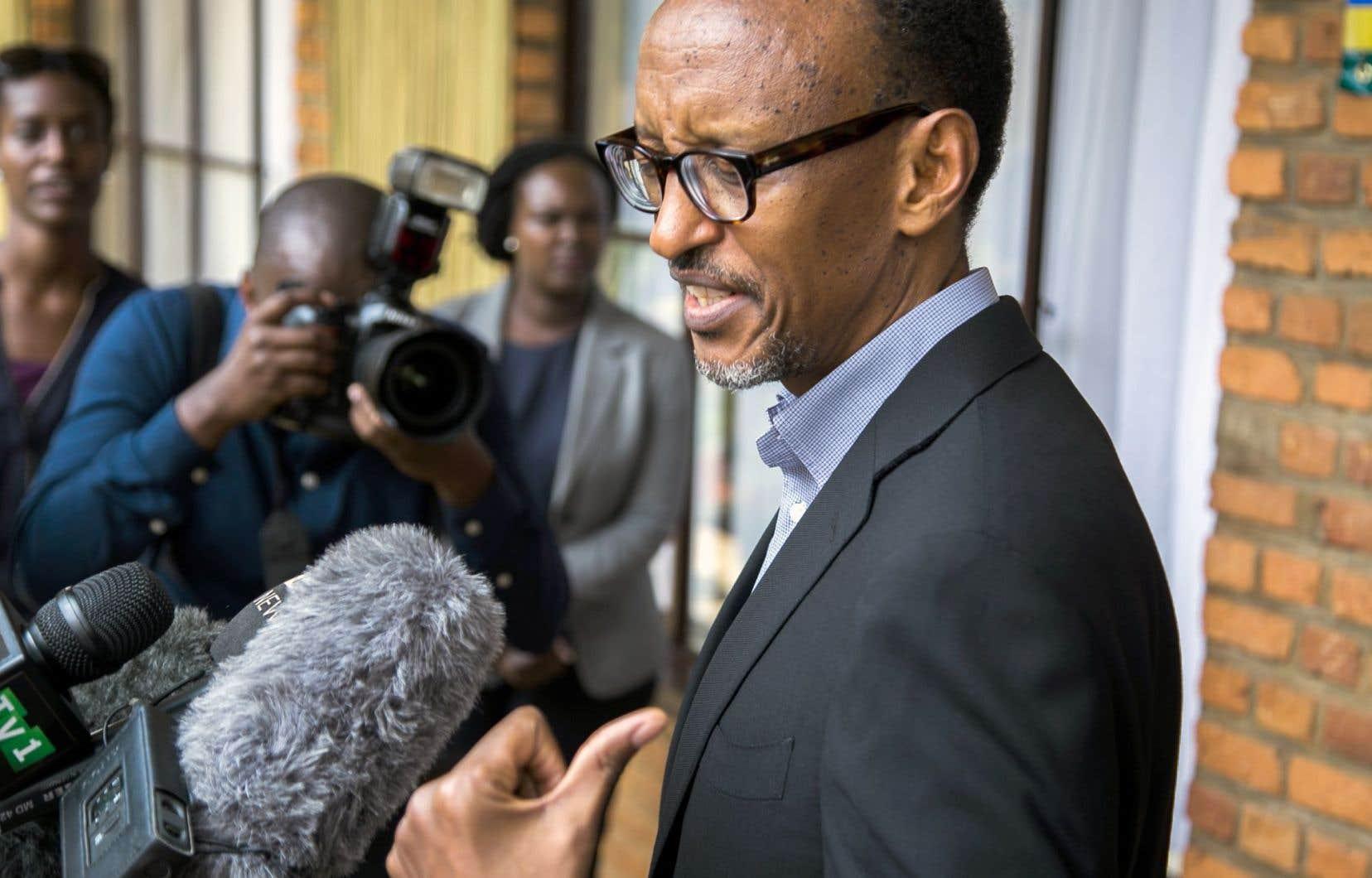 Paul Kagame, le président du Rwanda, s'adressait à la presse vendredi, après avoir voté au référendum sur la révision de la Constitution.
