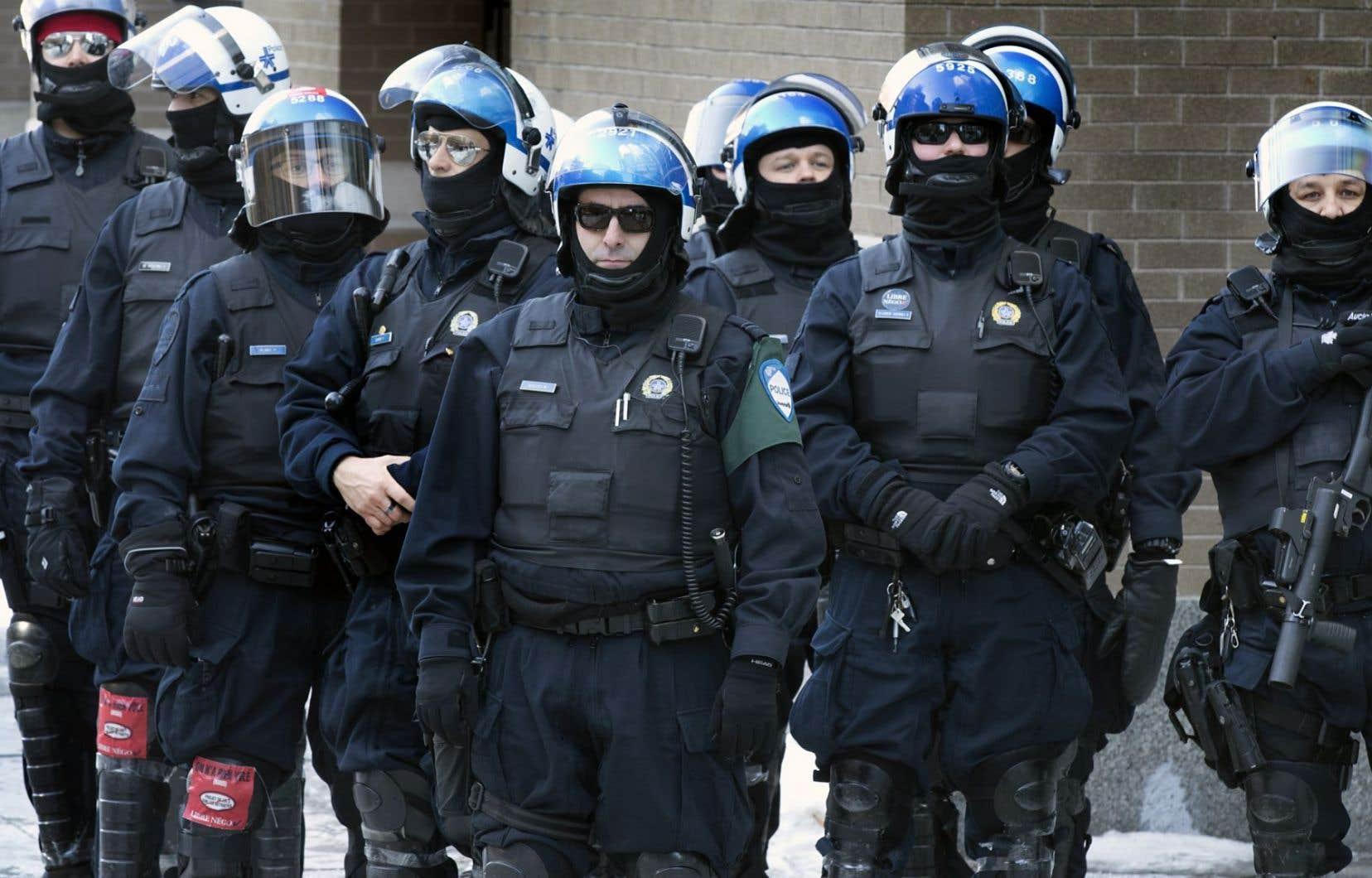À propos de la présence d'agents infiltrés, le porte-parole du SPVM répond que «cela fait partie de [ses] stratégies».