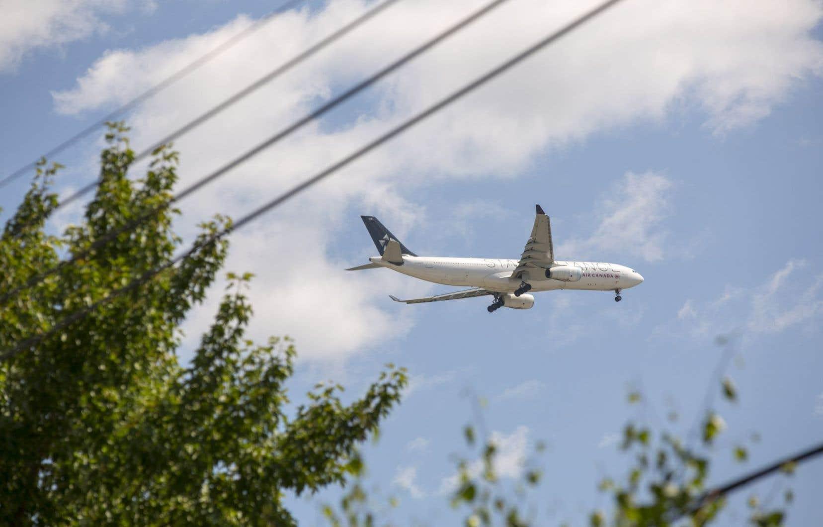 Une étude révèle qu'au moins 640000 personnes ont été exposées en 2014 à des niveaux de bruit environnemental nuisibles. Les transports en restent la source principale, l'aérien étant le plus dérangeant.