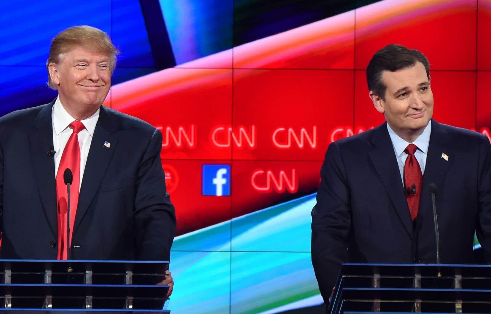 La camaraderie a cédé la place à la rivalité entre Donald Trump (à gauche) et Ted Cruz.