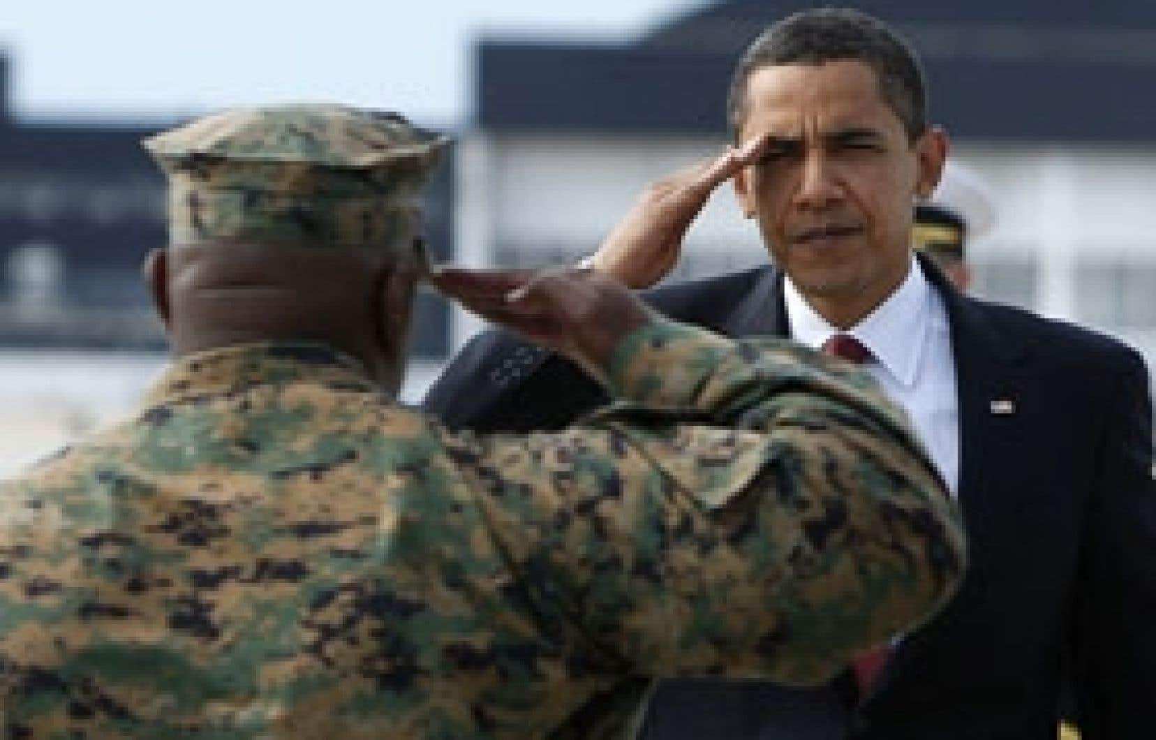 Le commandant en chef a rendu visite aux marines hier.