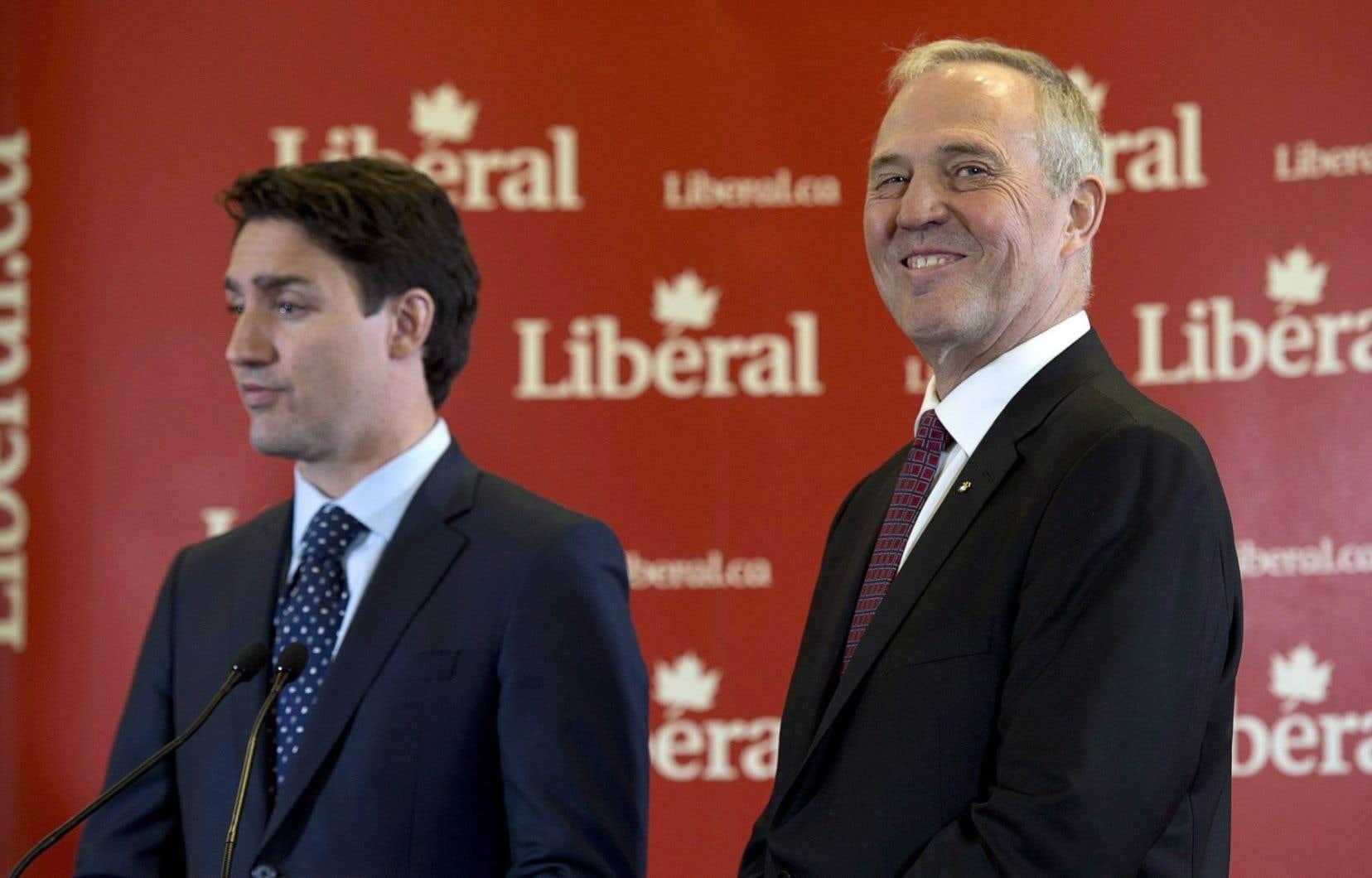 Le premier ministre, Justin Trudeau, a nommé Bill Blair, policier de carrière de 61ans, élu député libéral le 19octobre, dans l'espoir d'apaiser les craintes des Canadiens opposés aux drogues.