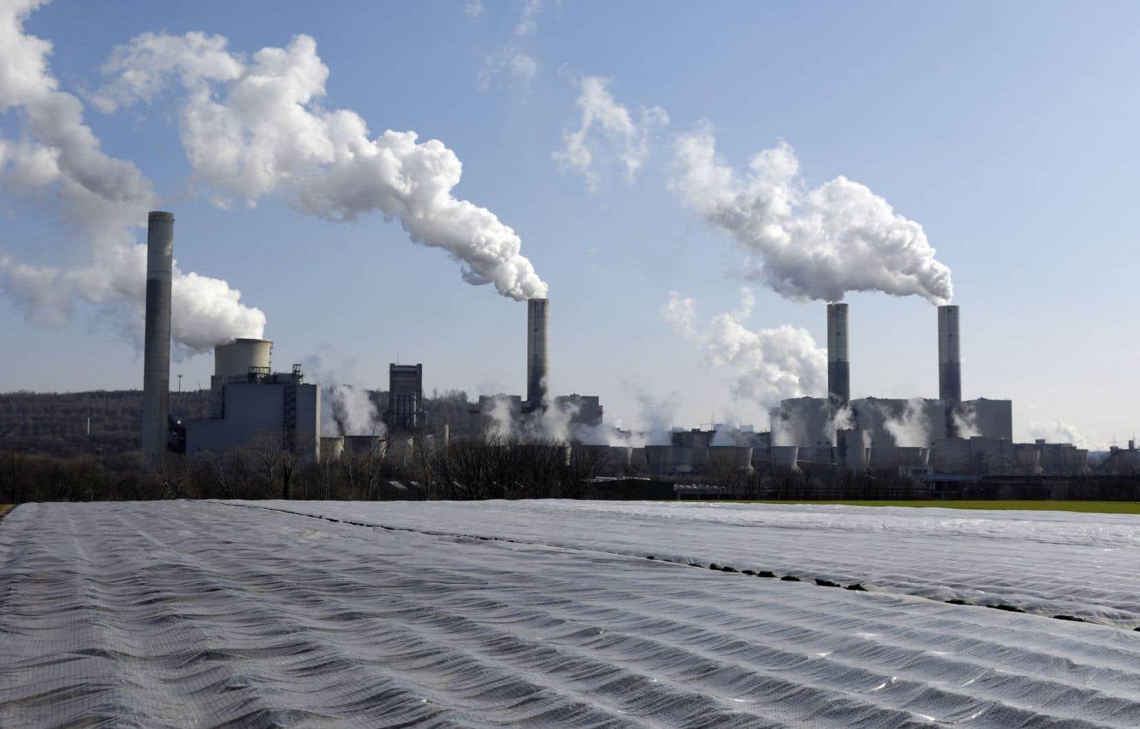 Toutes les entreprises ne sont pas égales face à la réglementation en matière d'émissions de GES, certaines étant touchées directement, d'autres indirectement, d'autres encore étant peu ou pas visées.