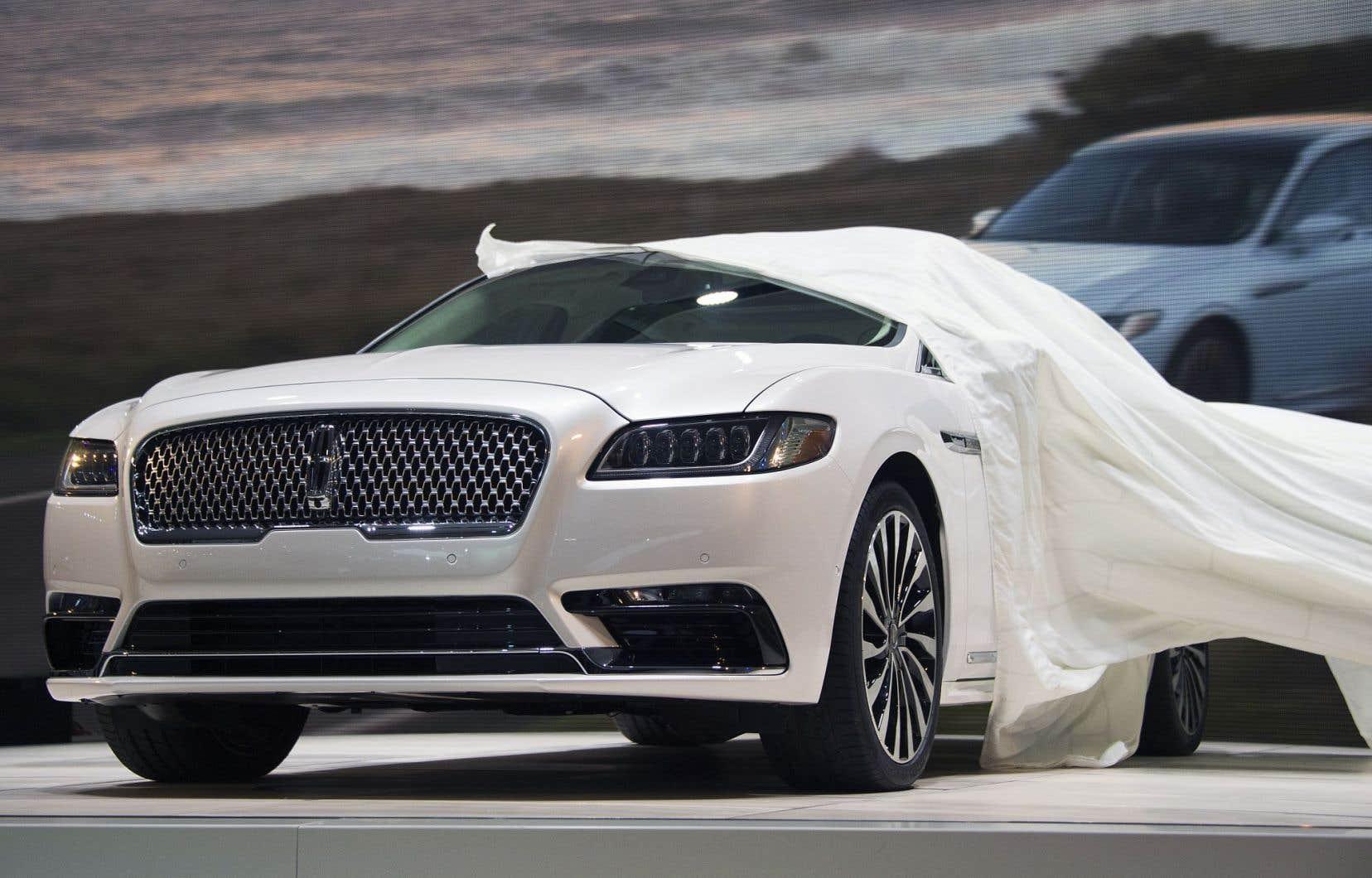 Ford repart à la conquête du marché de luxe en dépoussiérant la Continental, qui sera offerte simultanément aux États-Unis et en Chine.