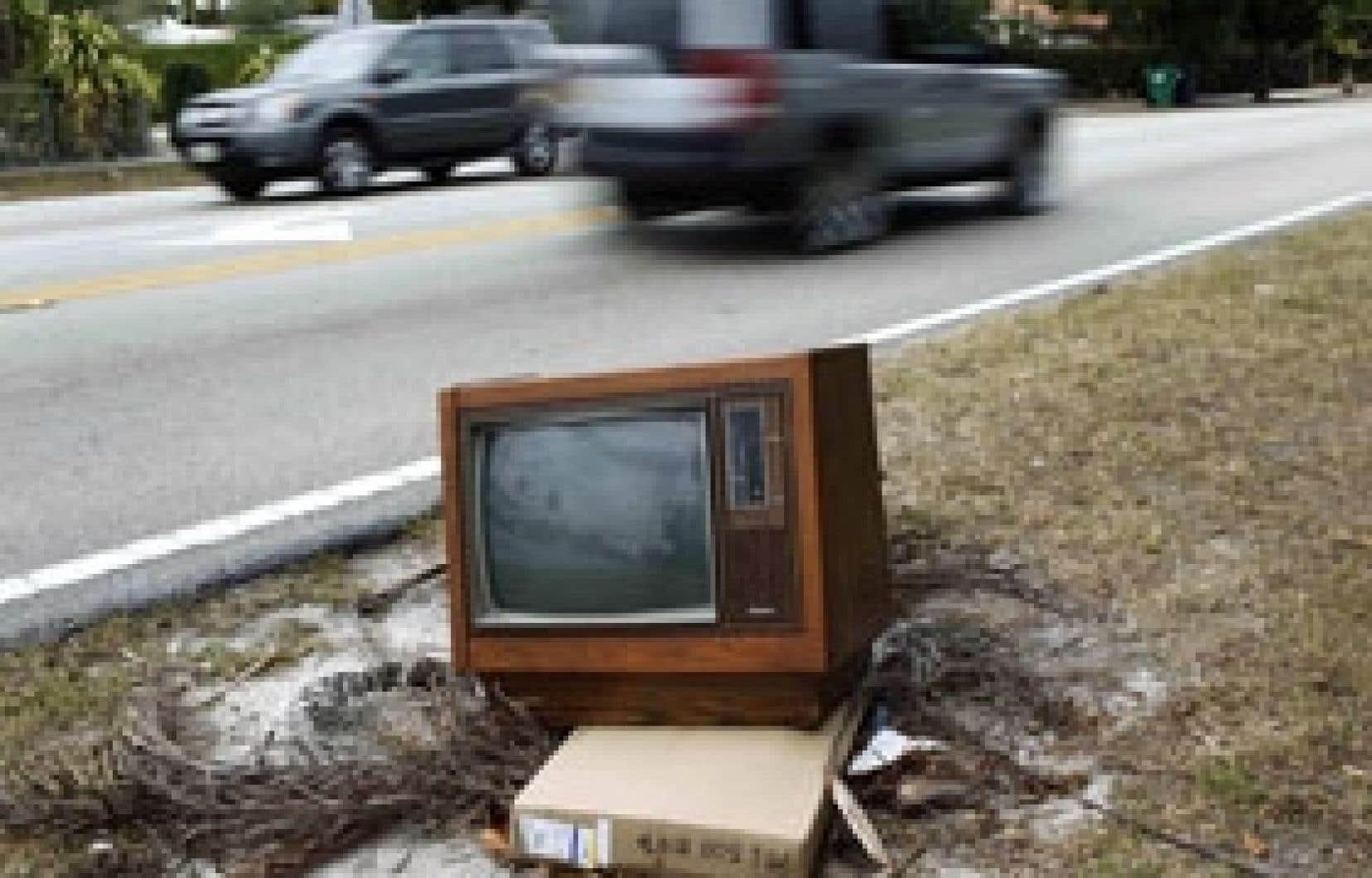 Malgré cette vieille télé abandonnée pour cause de changements technologiques, le petit écran a encore un bel avenir.