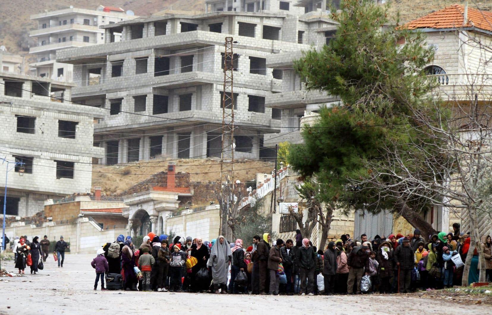 Les résidents de Madaya attendaient jeudi l'arrivée du convoi humanitaire.